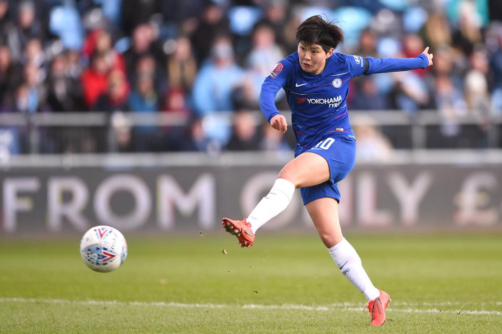 Ji So-yun showing Chelsea how it's done.