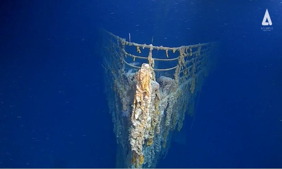 Titanic explorers' dive reveals 'shocking' state of wreck