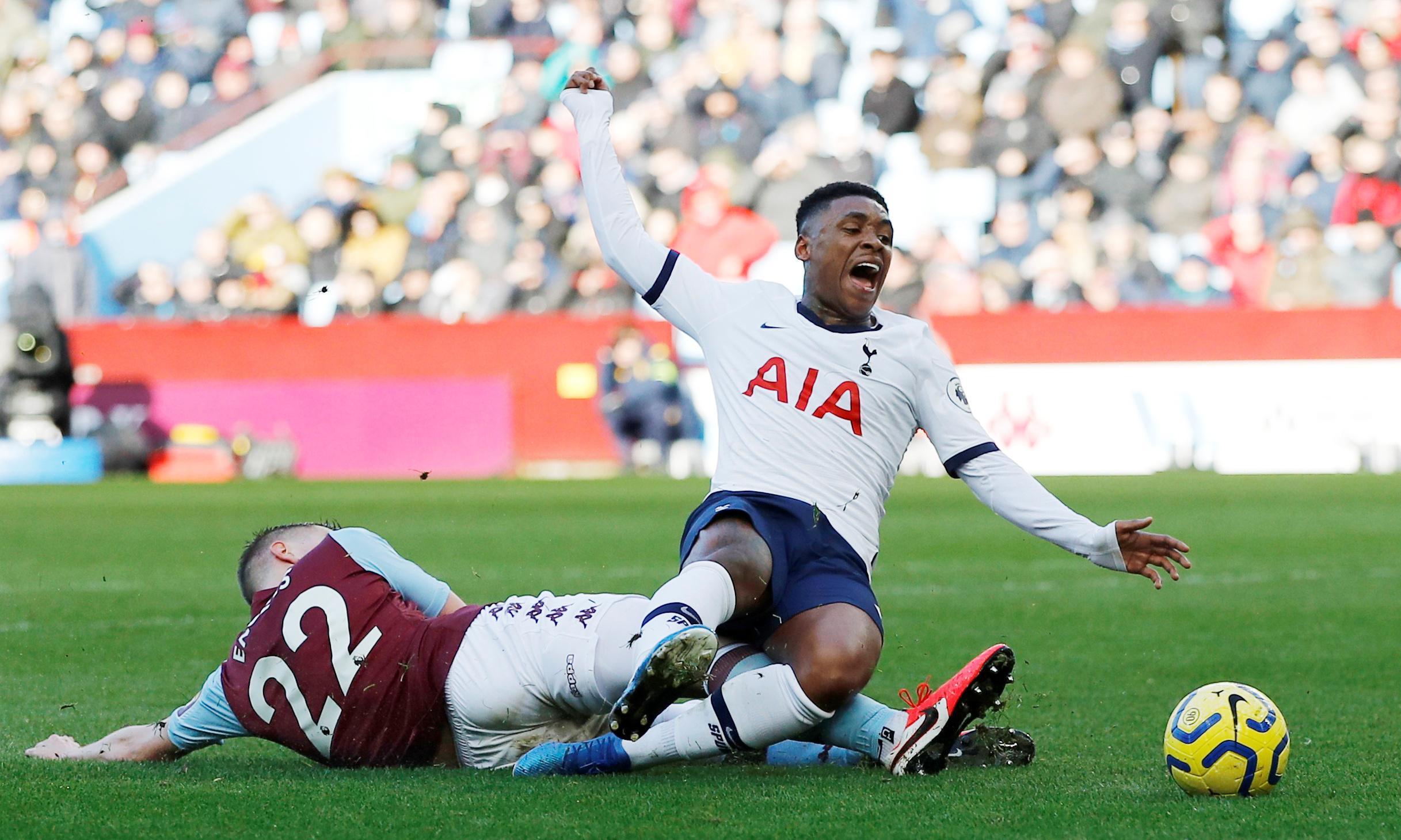 Villa's Dean Smith bemoans VAR-assisted penalty for Tottenham