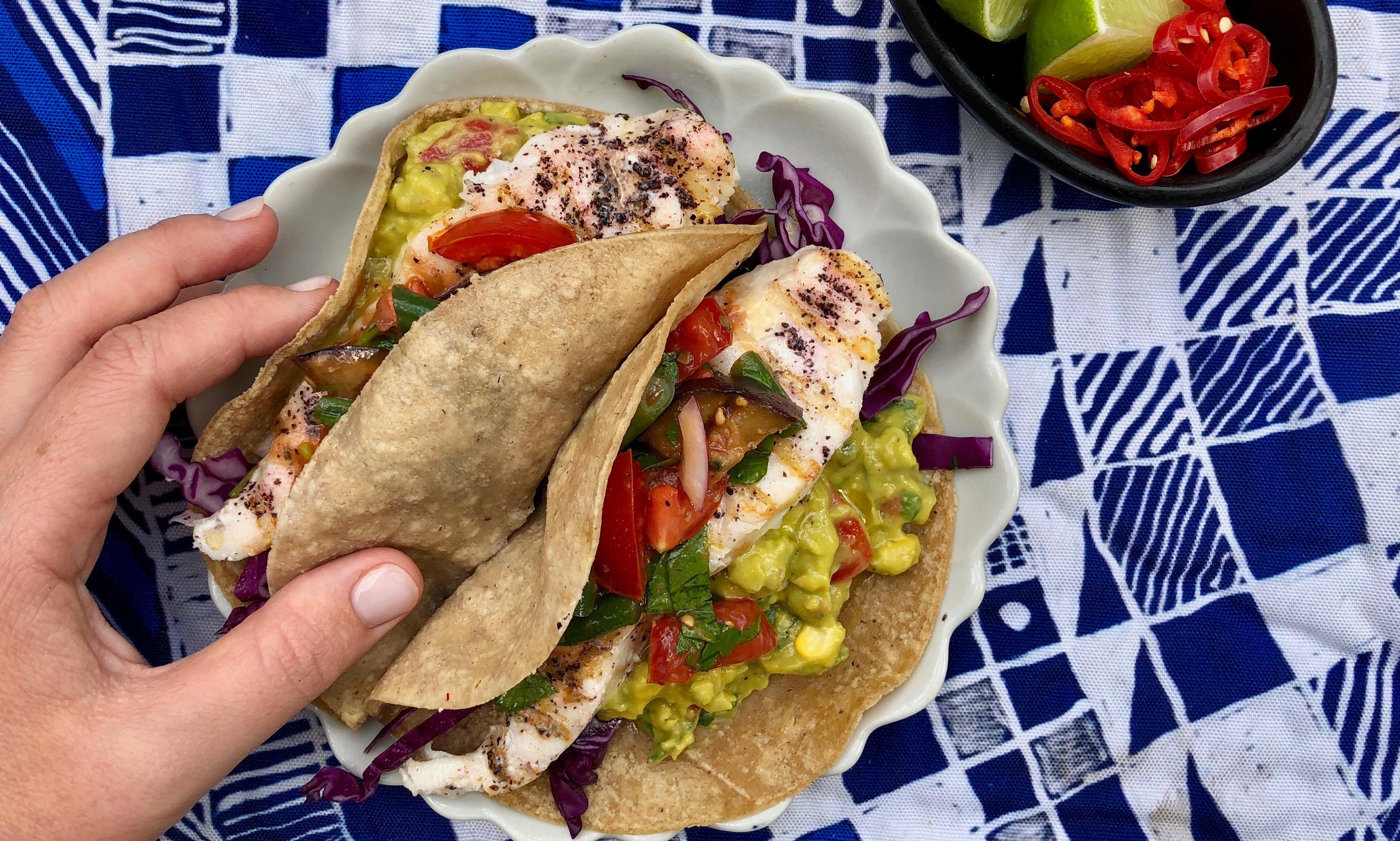Weeknight dinner: easy fish tacos with salsa and guacamole recipe