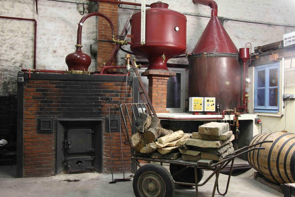 Distilling equipment at Raison Personnelle