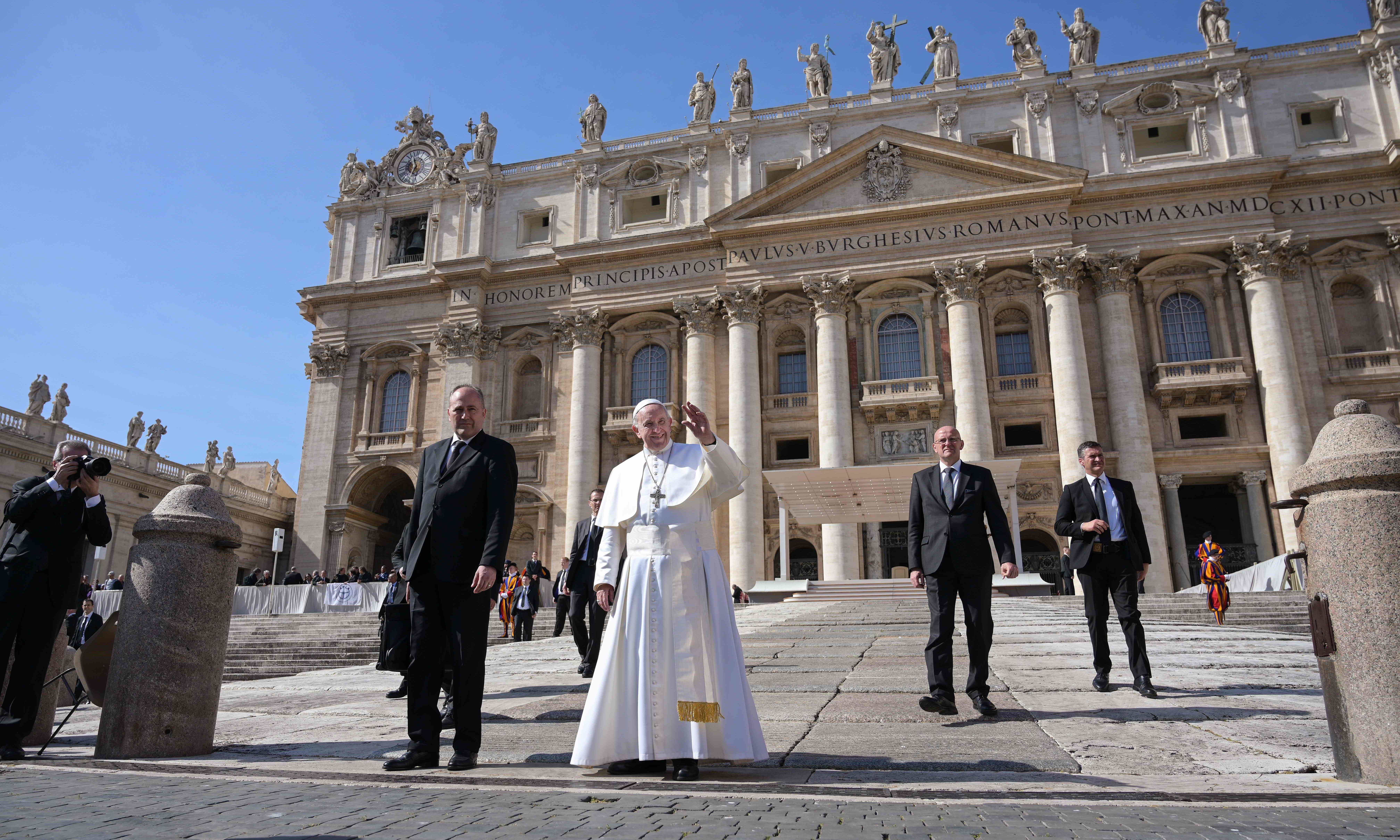 Female journalists quit in protest at Vatican 'climate of distrust'