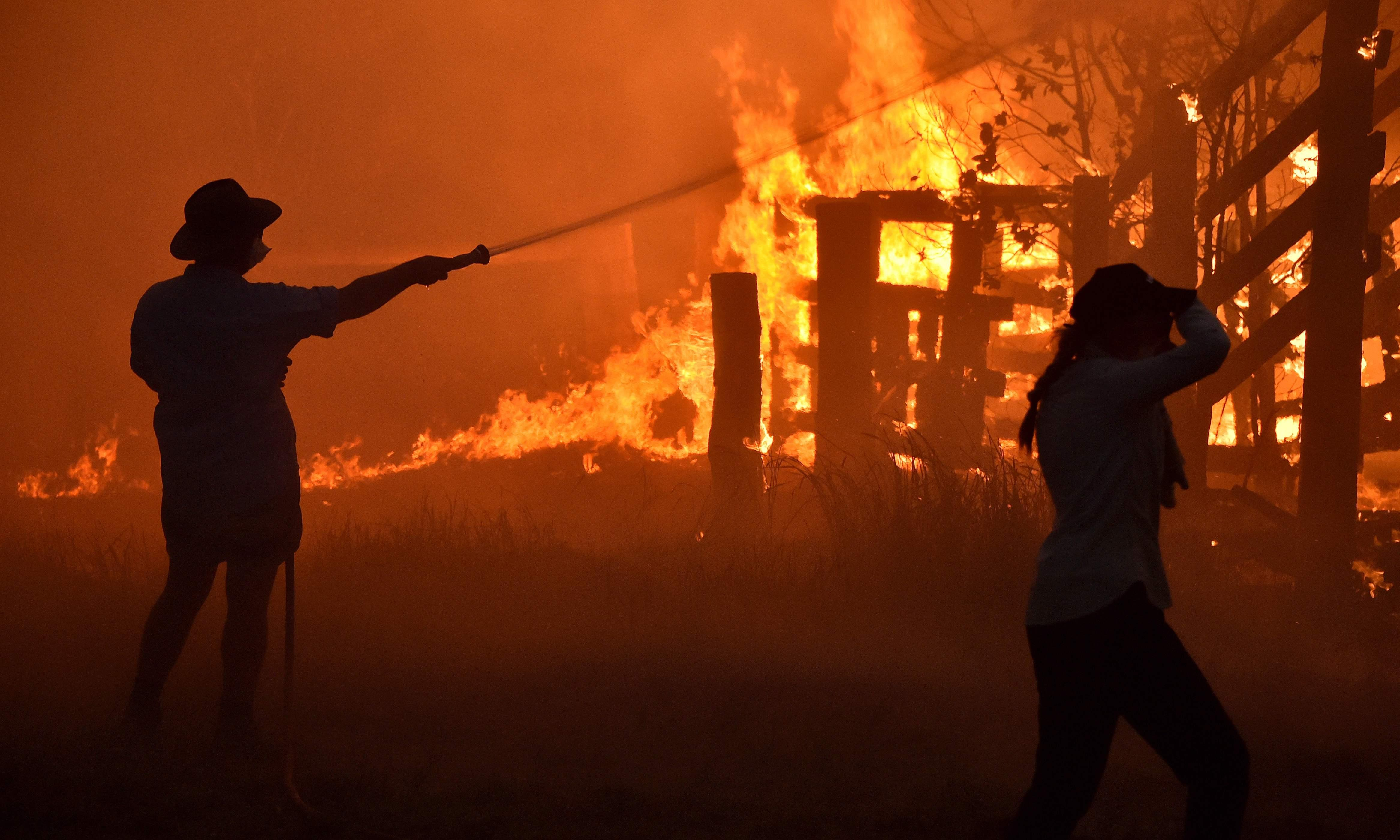 Army ready to be deployed as NSW and Queensland fires blaze out of control