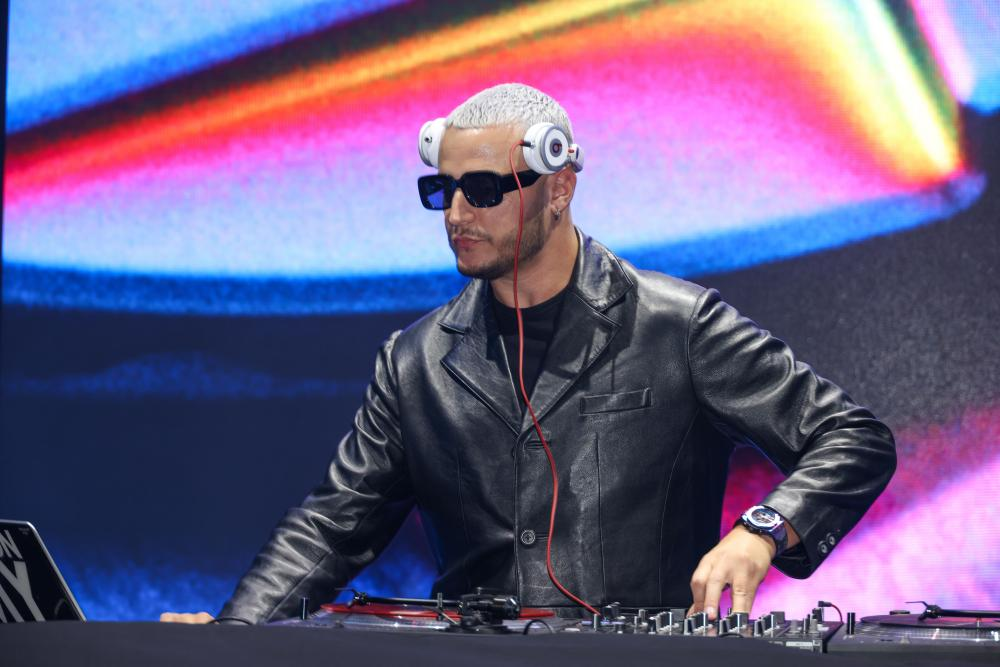 DJ Snake, turning things down for what earlier.