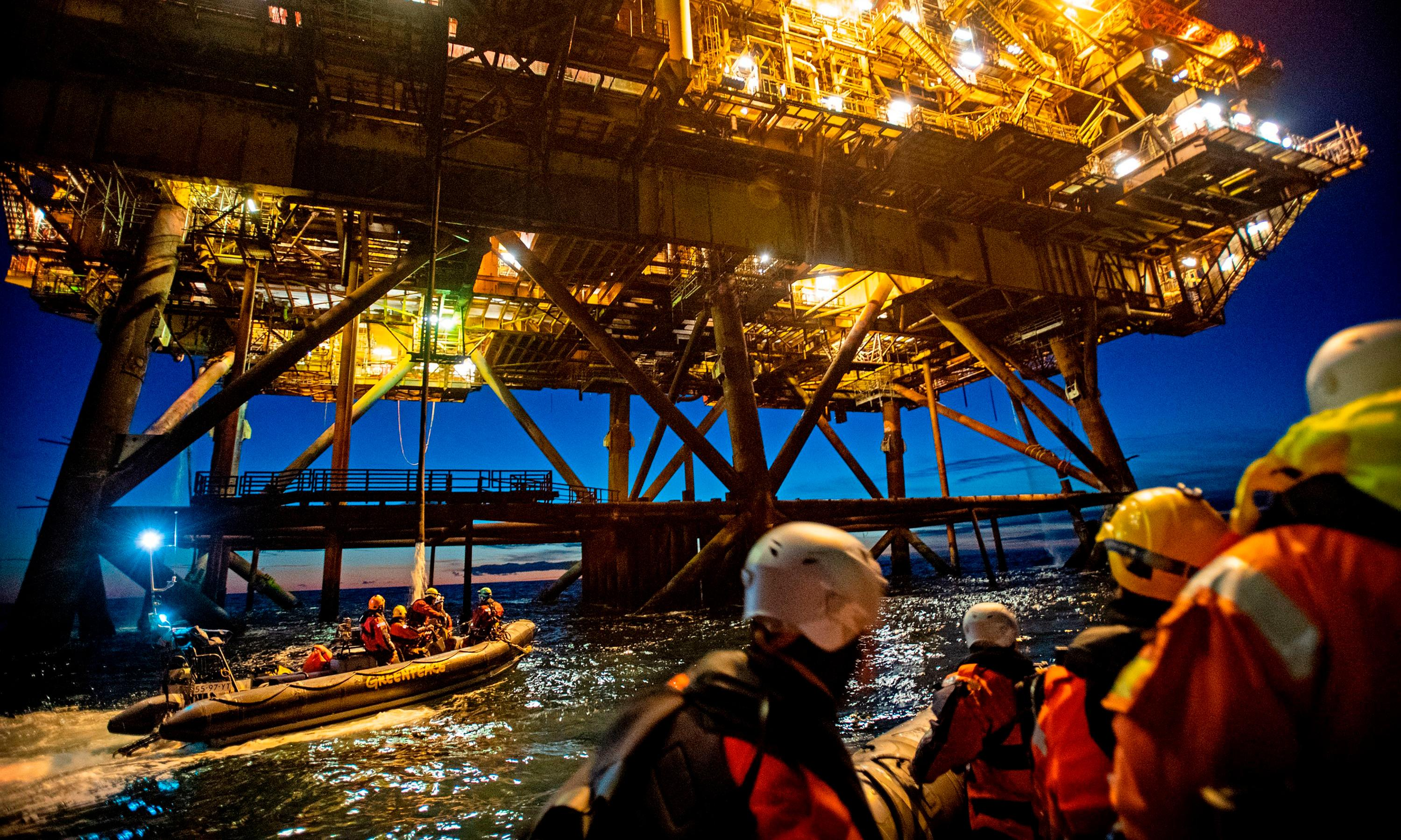 Greenpeace banned from protesting on Shell North Sea oil rigs