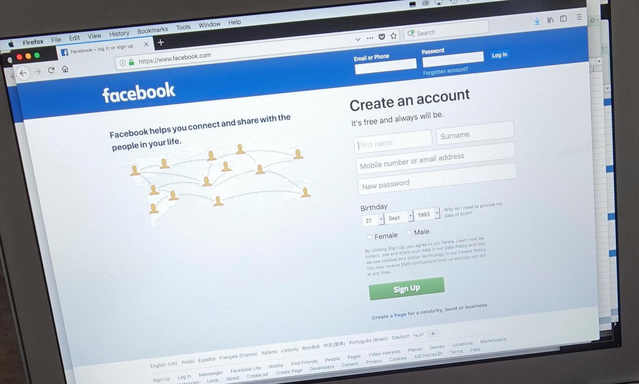 No way to screen out under-13s or sex offenders on Facebook, inquiry told