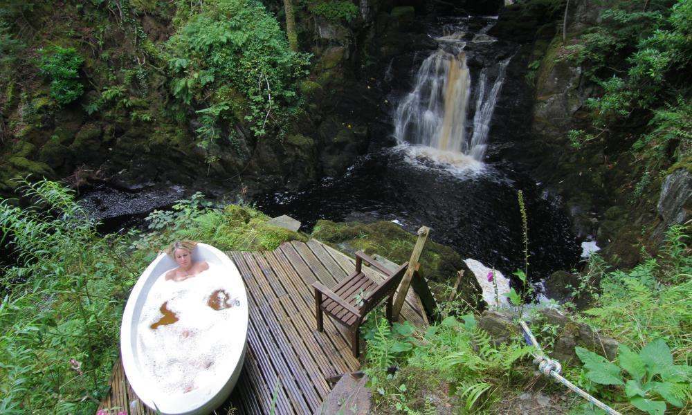 Gorge bath Ecoyoga, Scotland. Yoga retreat For Travel