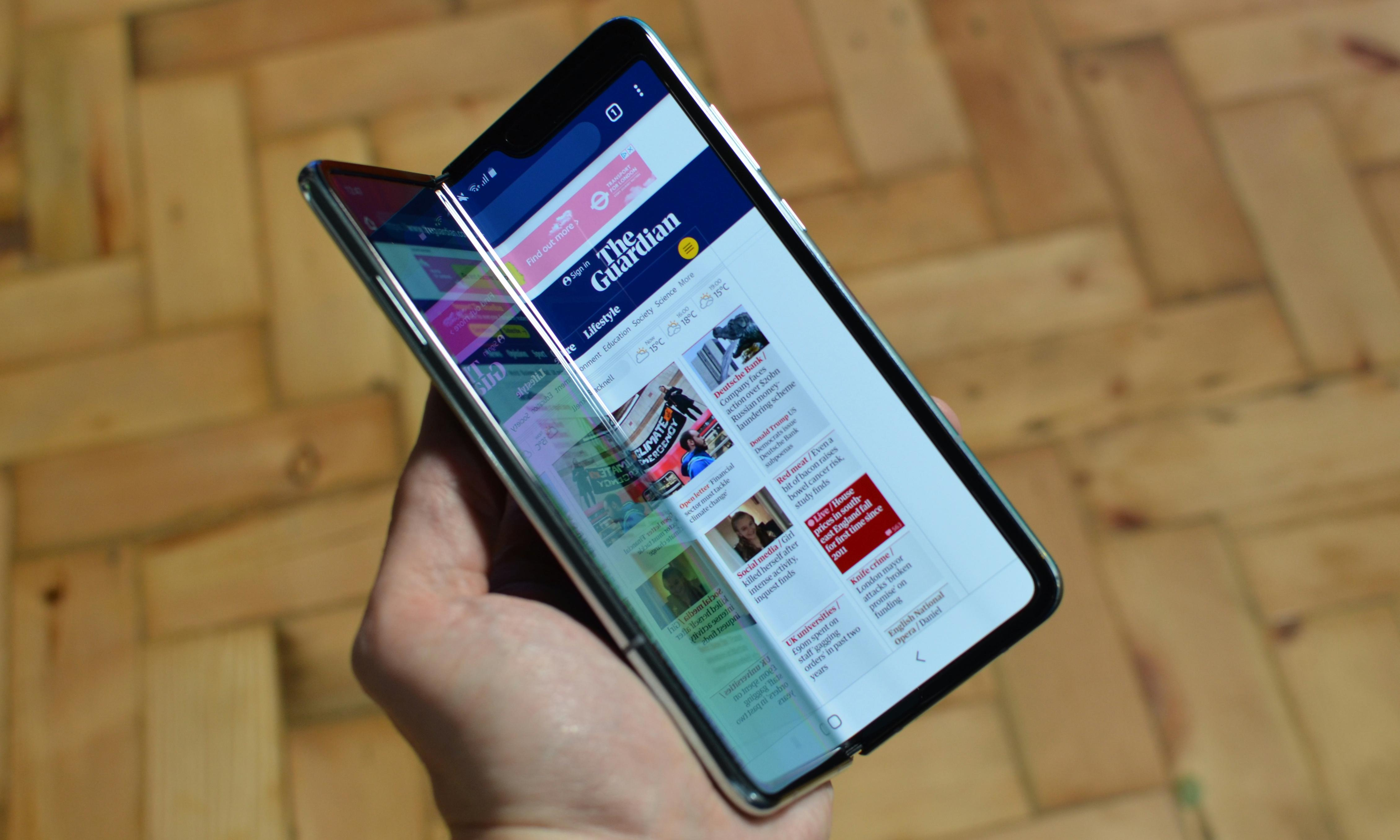 Galaxy Fold: Samsung investigates as screens break in first days