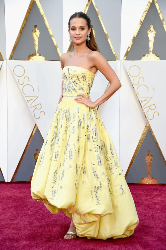 Alicia Vikander at the 2016 Oscars