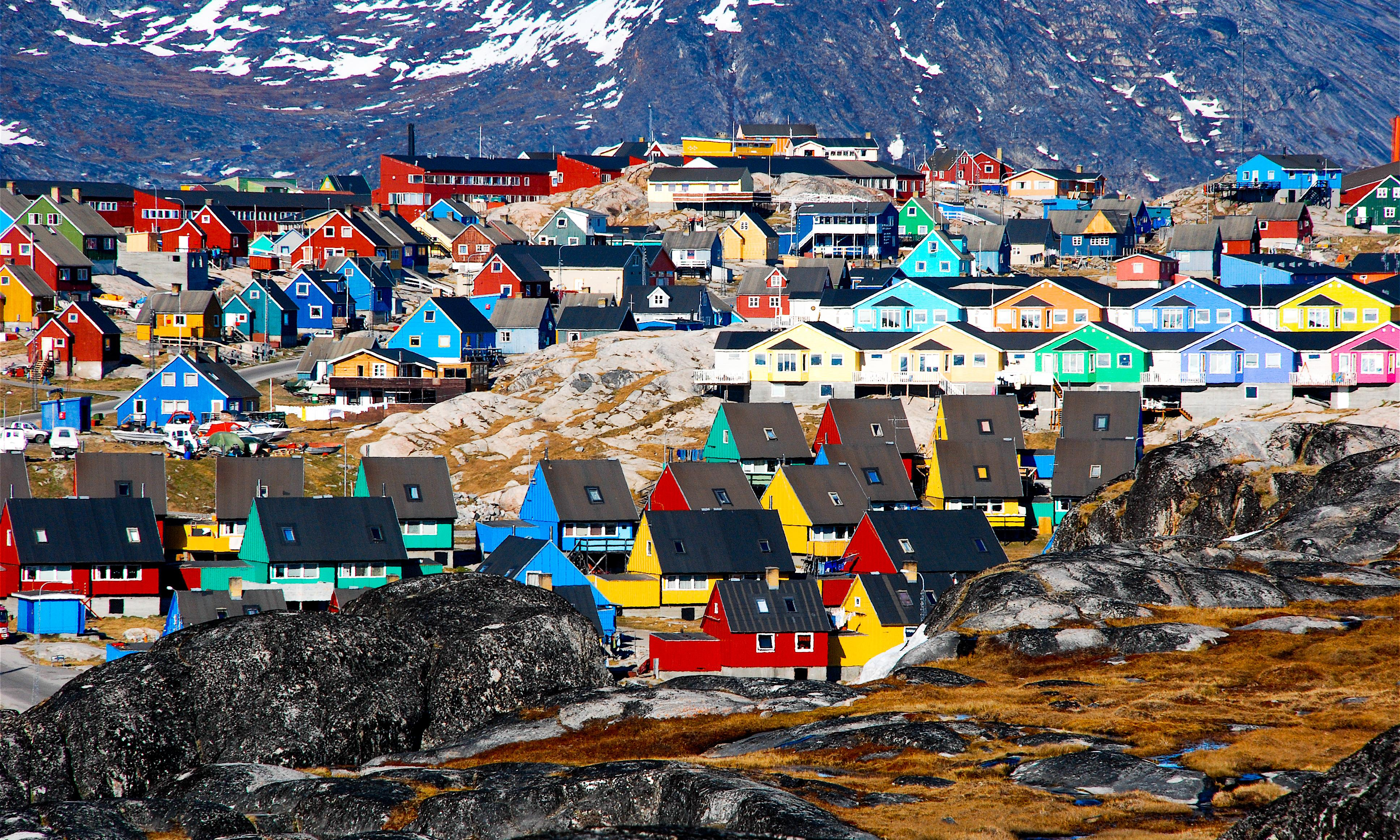 Trump tweets image of enormous Trump Tower on Greenland