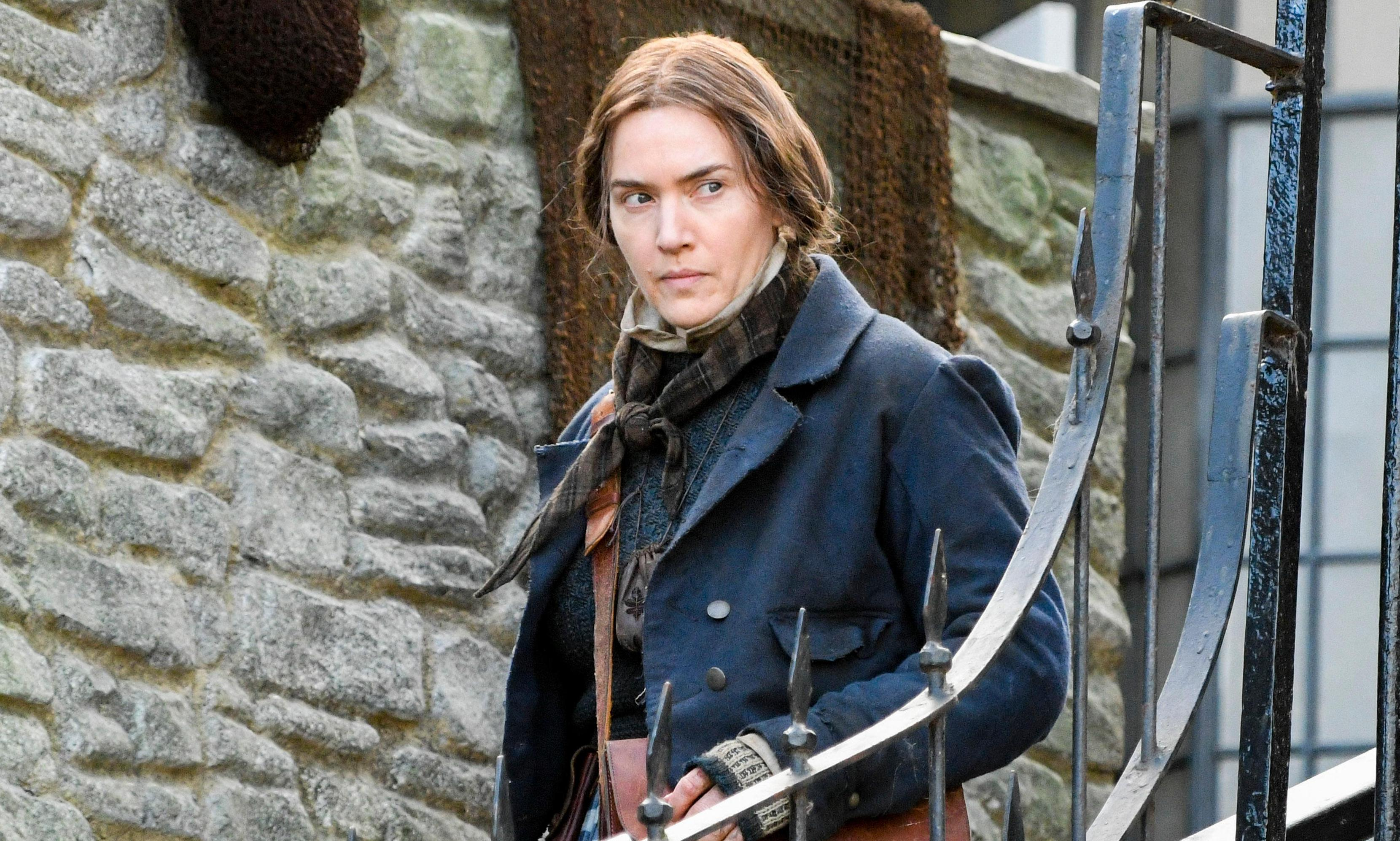 Mary Anning biopic director defends film's lesbian romance storyline