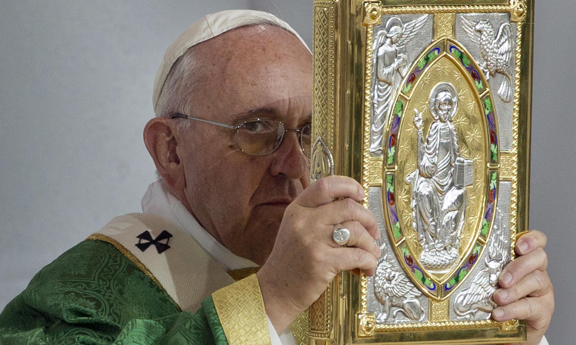 US confidence in Pope Francis plummets amid sexual abuse scandal