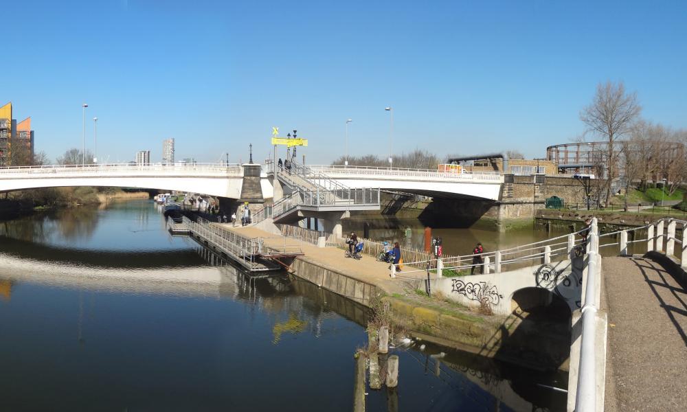 A leading to Twelvetrees Bridge in Lea river park.