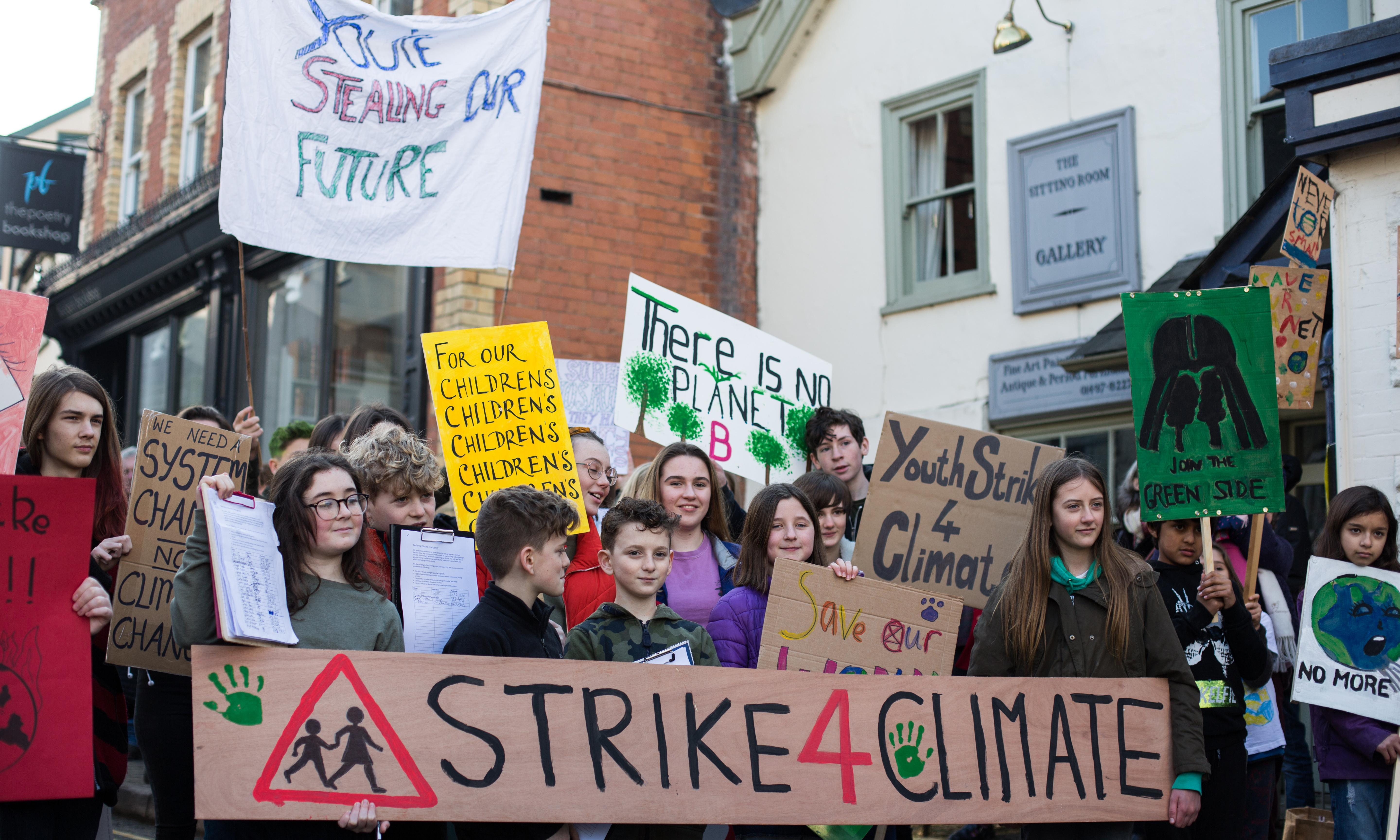 Teachers to join climate protests to demand curriculum reform