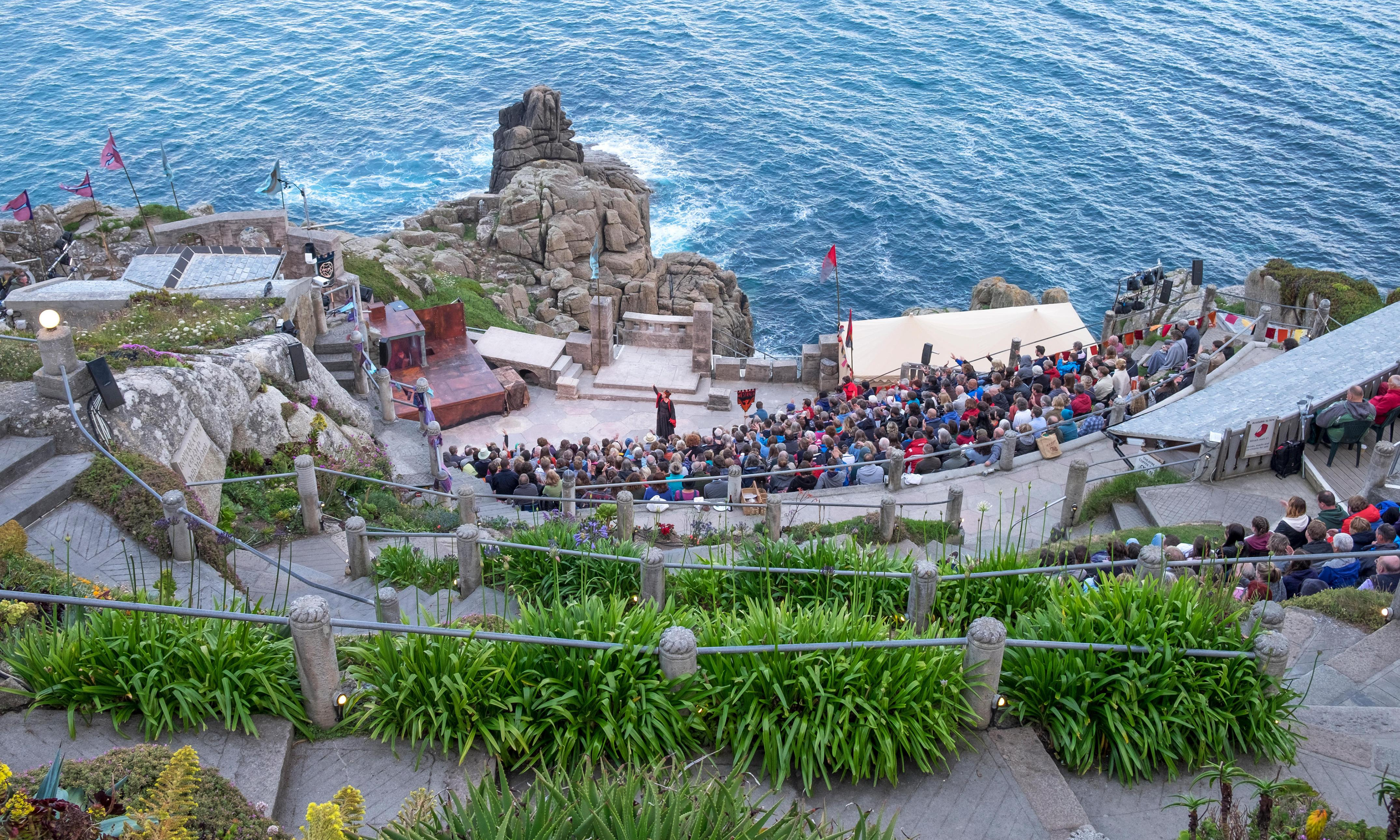 10 great UK open-air theatres you can visit on public transport