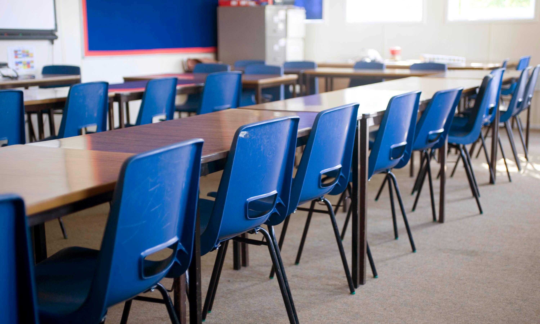 Coronavirus: UK headteachers told to stay calm and keep schools open