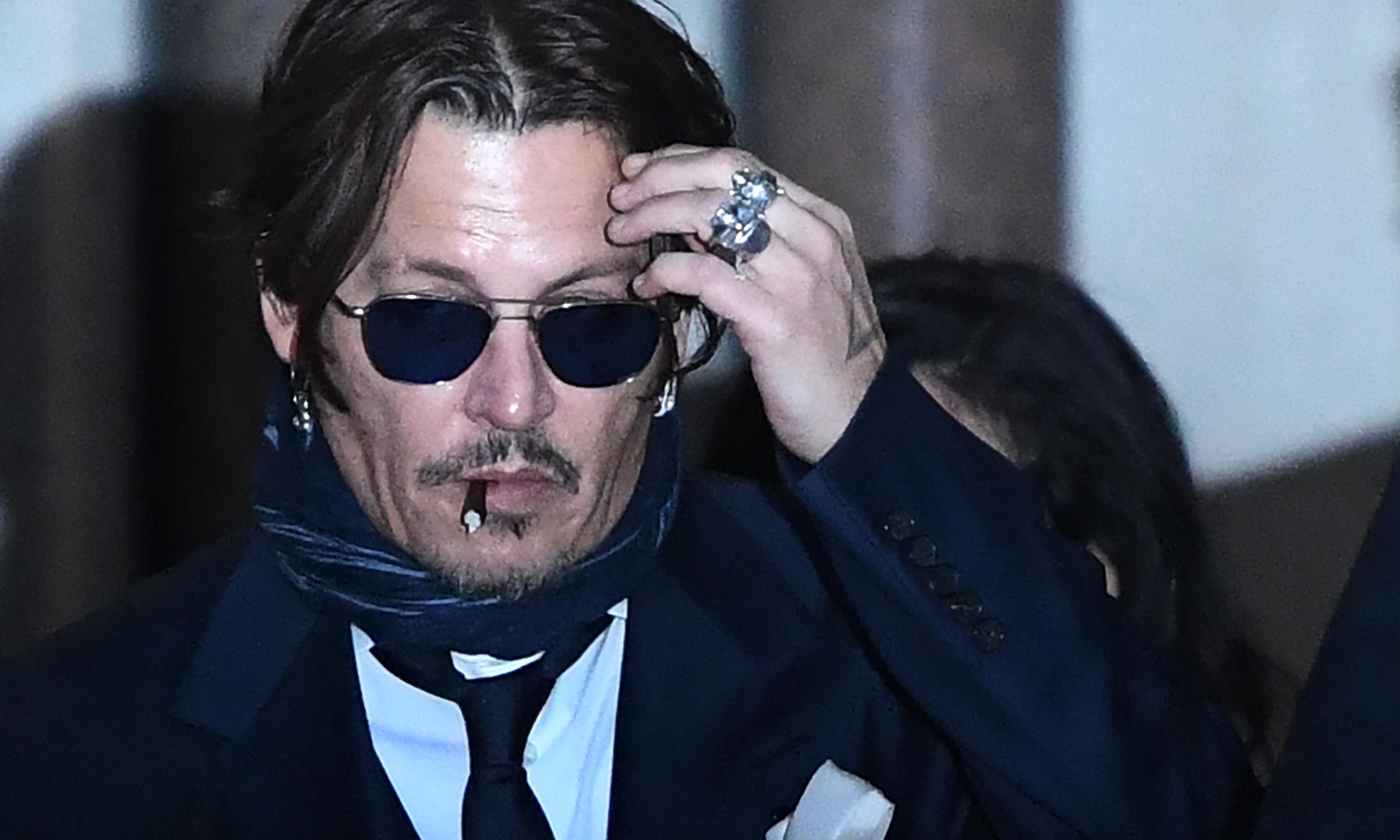 'Let's burn Amber': texts allegedly sent by Johnny Depp about ex read in court