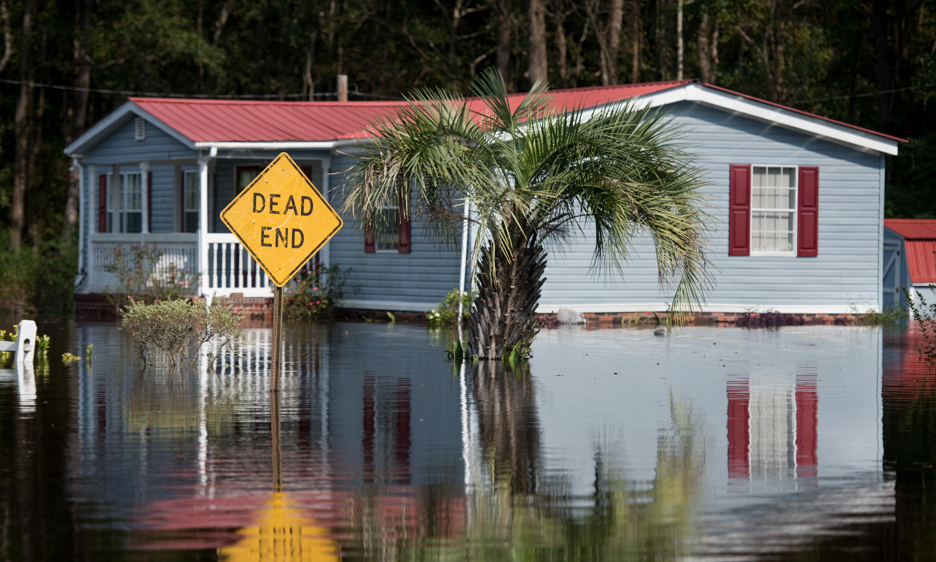 Seawalls to protect US against rising oceans could cost $416bn by 2040