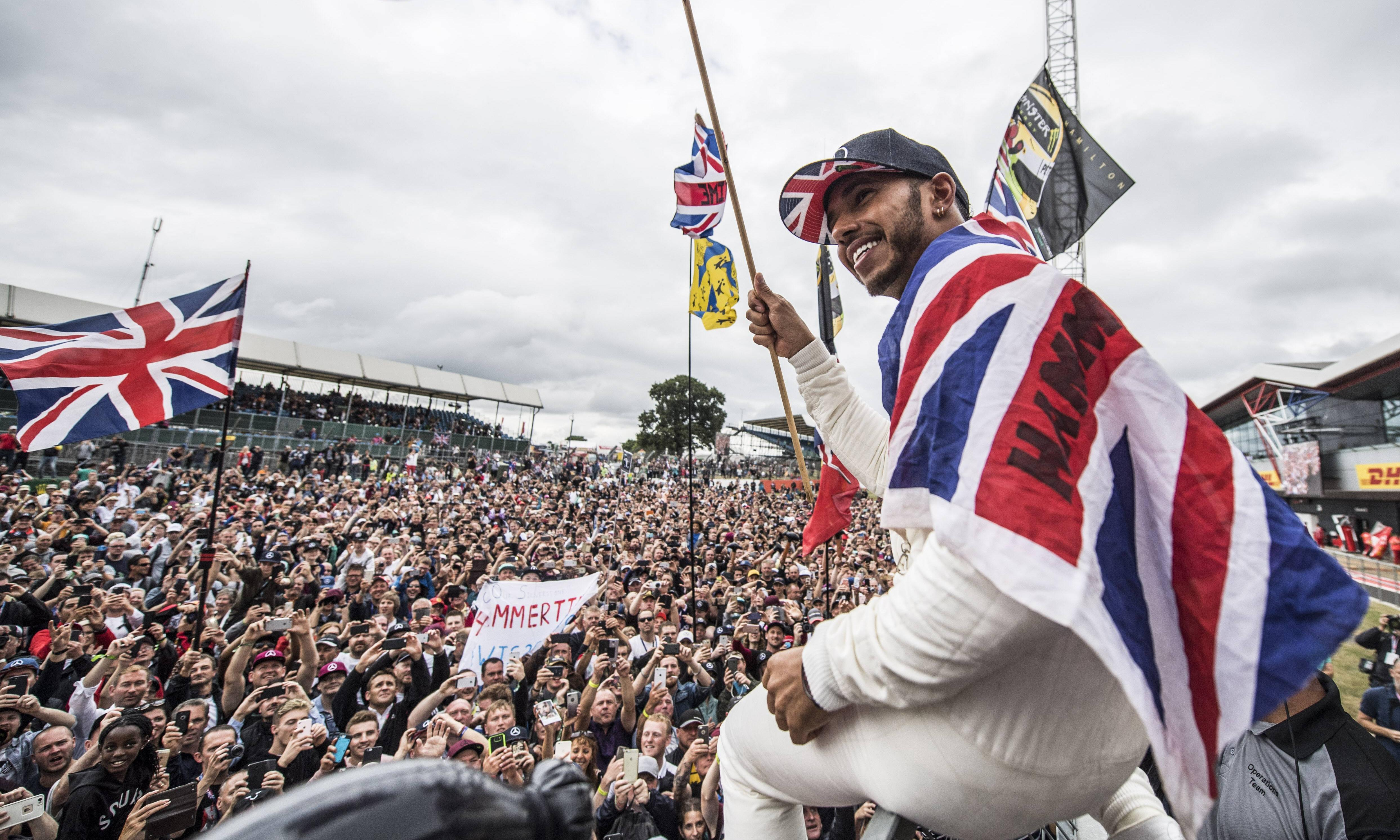 Lewis Hamilton focused on title race amid questions over his future in F1