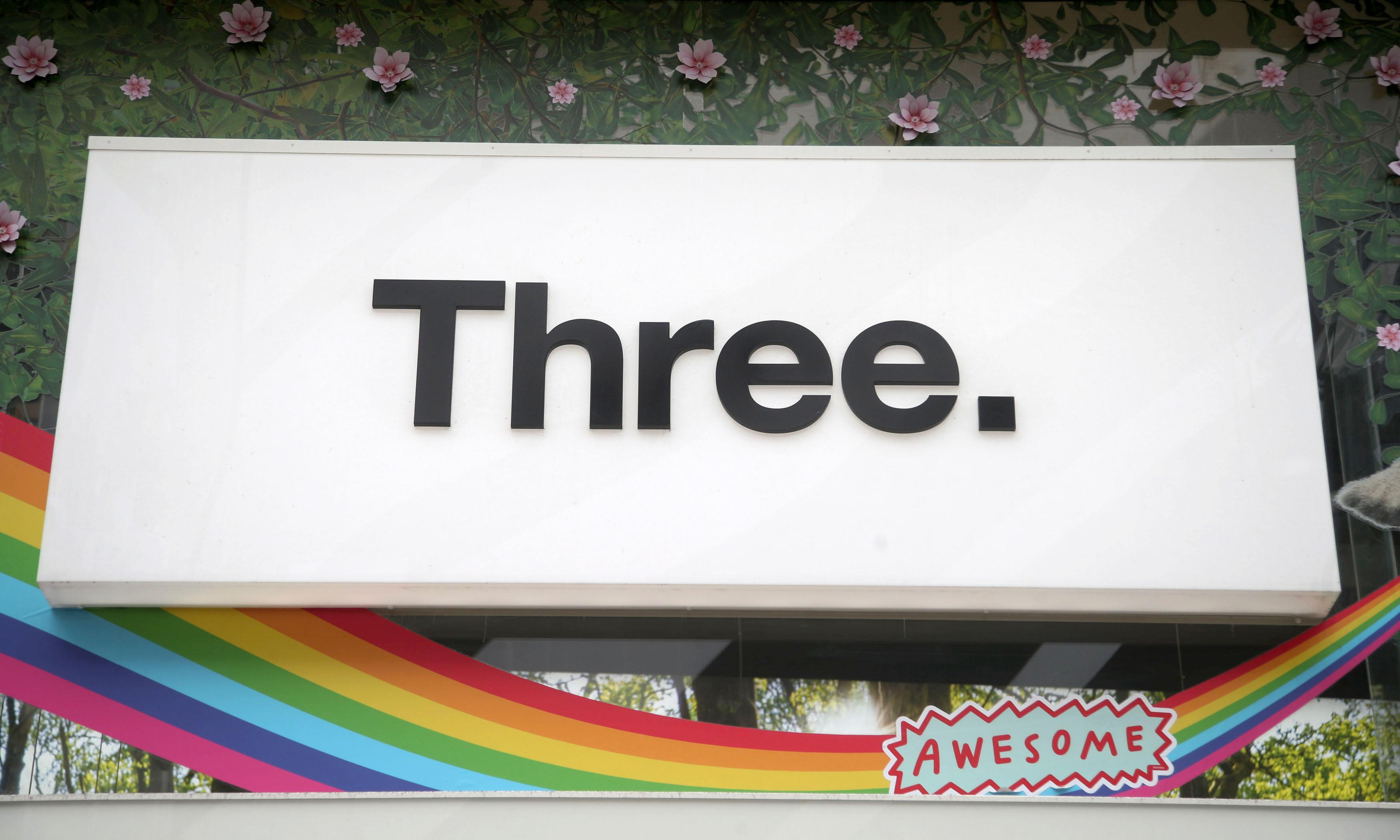 5G battle hots up as EE lodges complaint over Three UK advert