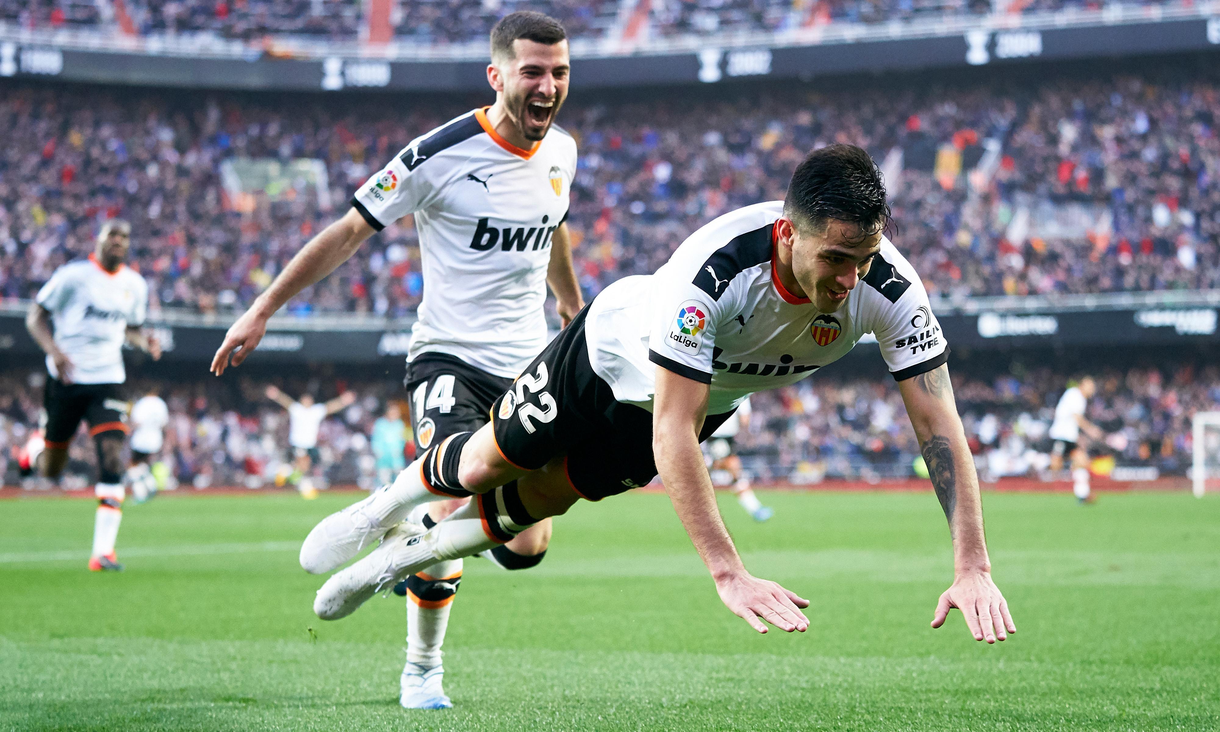 European roundup: Barcelona slump at Valencia, Leipzig shocked by Frankfurt
