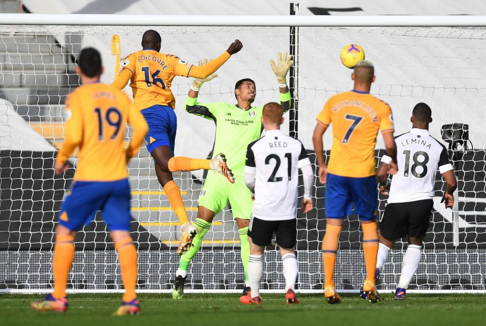 Doucoure rises to head in Fulham's third goal