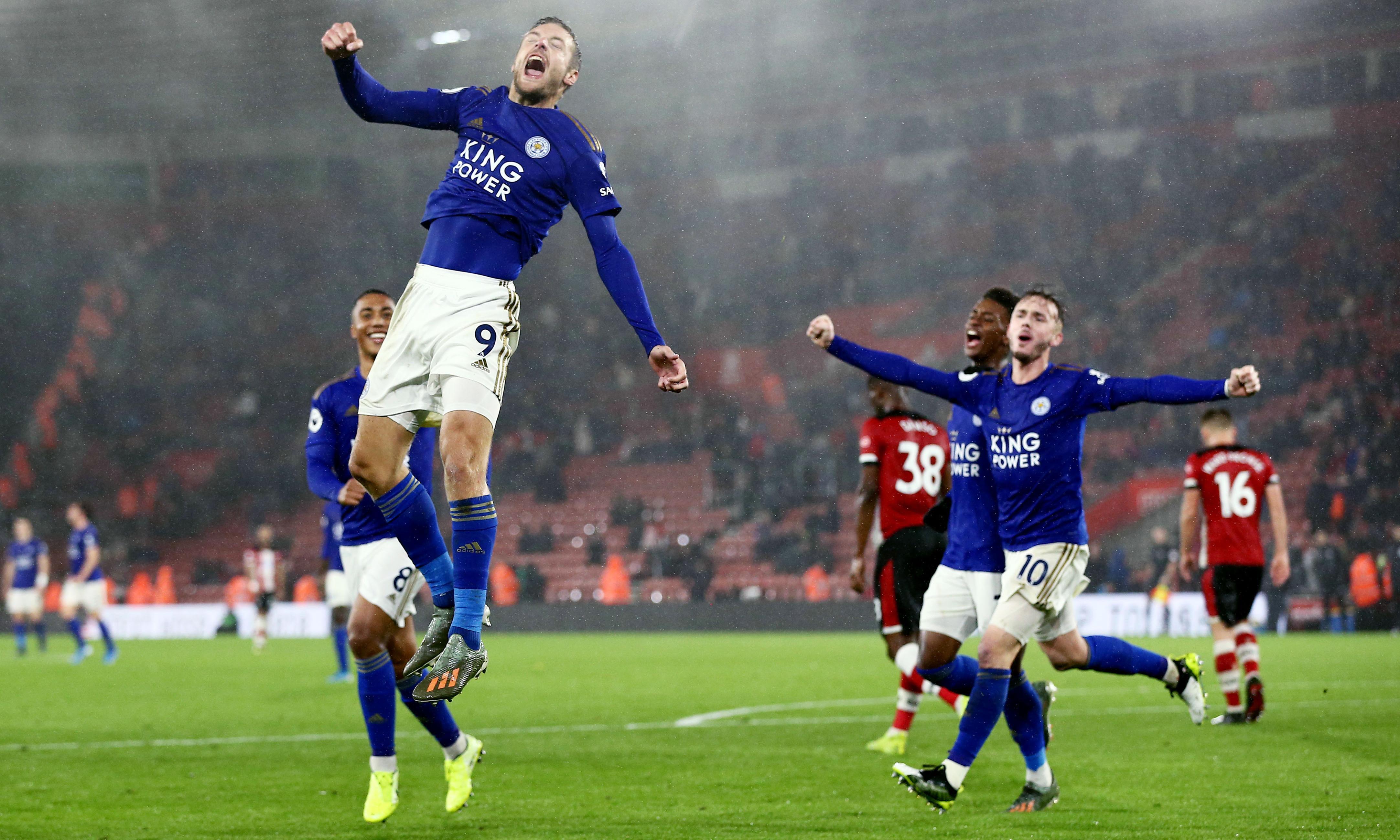 Vardy and Pérez hat-tricks as Leicester smash nine against Southampton