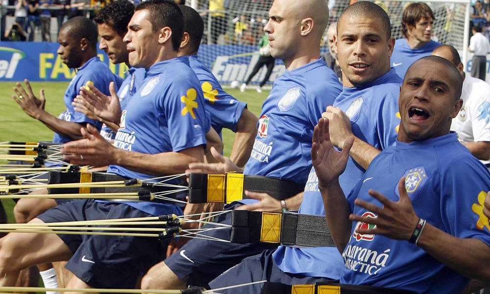 The Real Ronaldo and Roberto Carlos engaged in some training bantz back in the day.