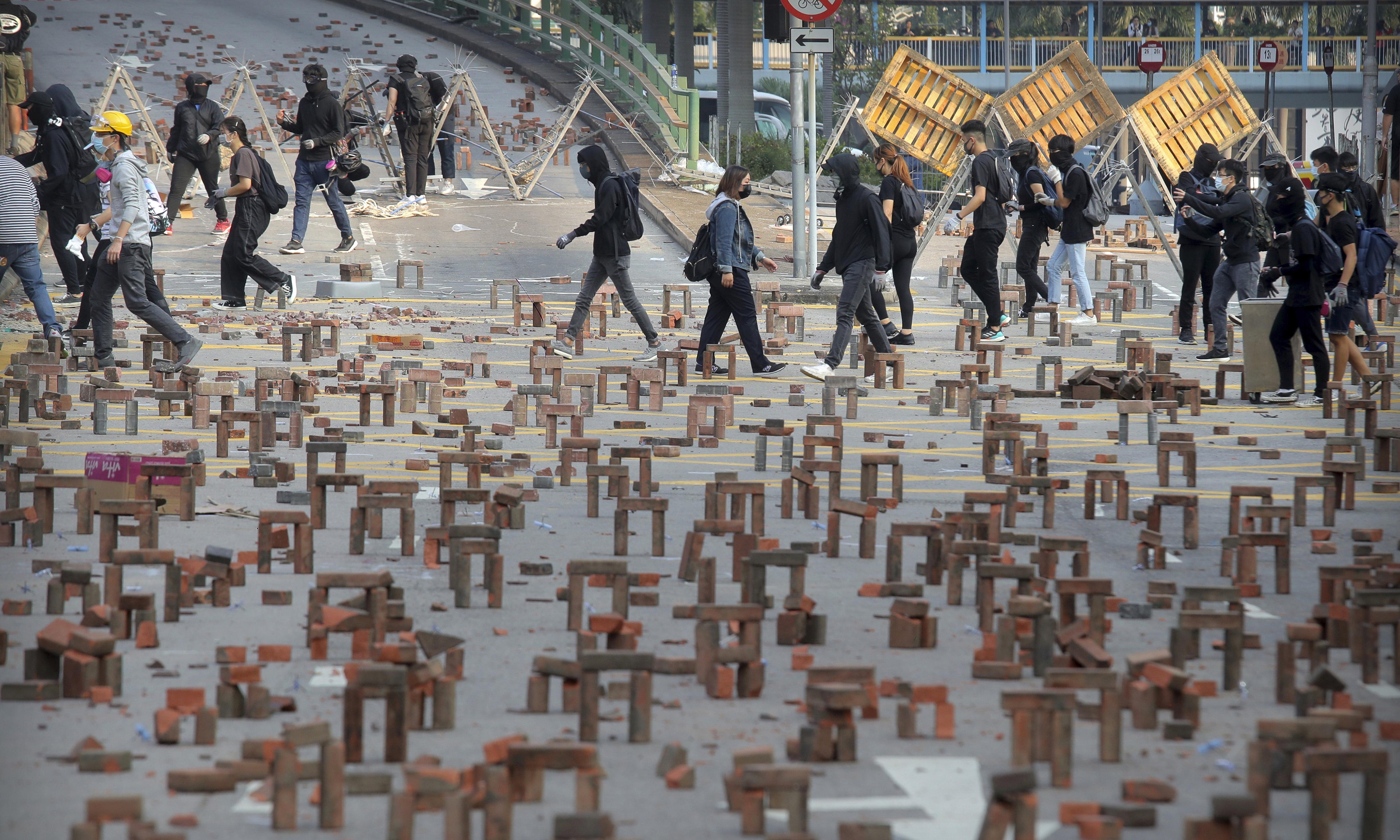 Sydney university students urged to leave Hong Kong