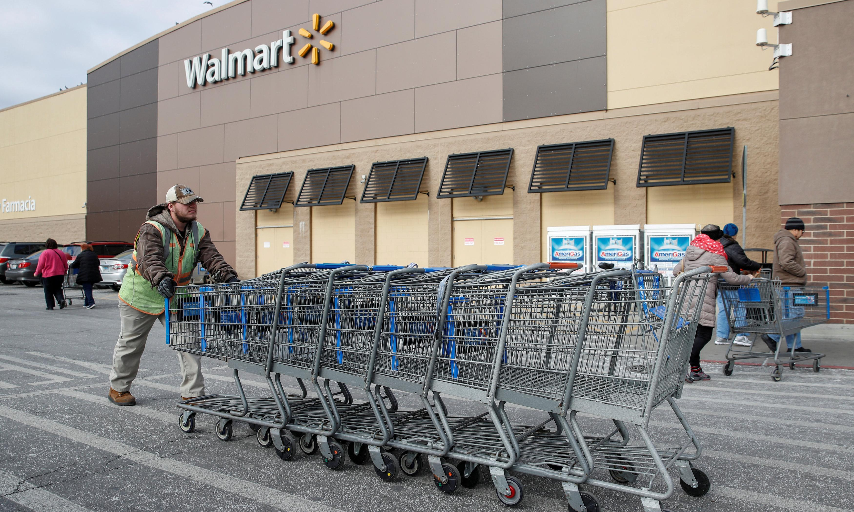 Retail workers face layoffs and erratic schedules as holiday season ends