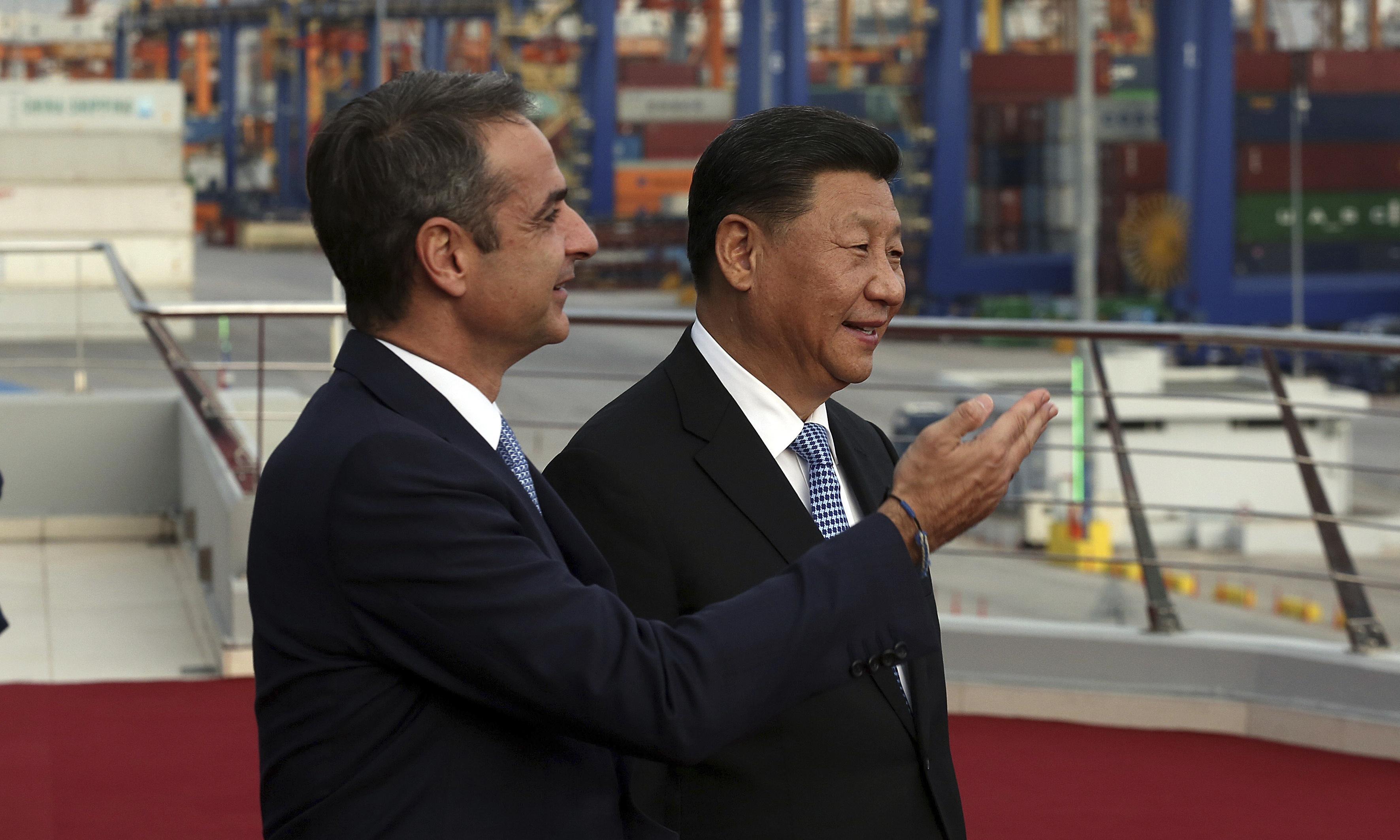 Xi Jinping comes to Greeks bearings gifts