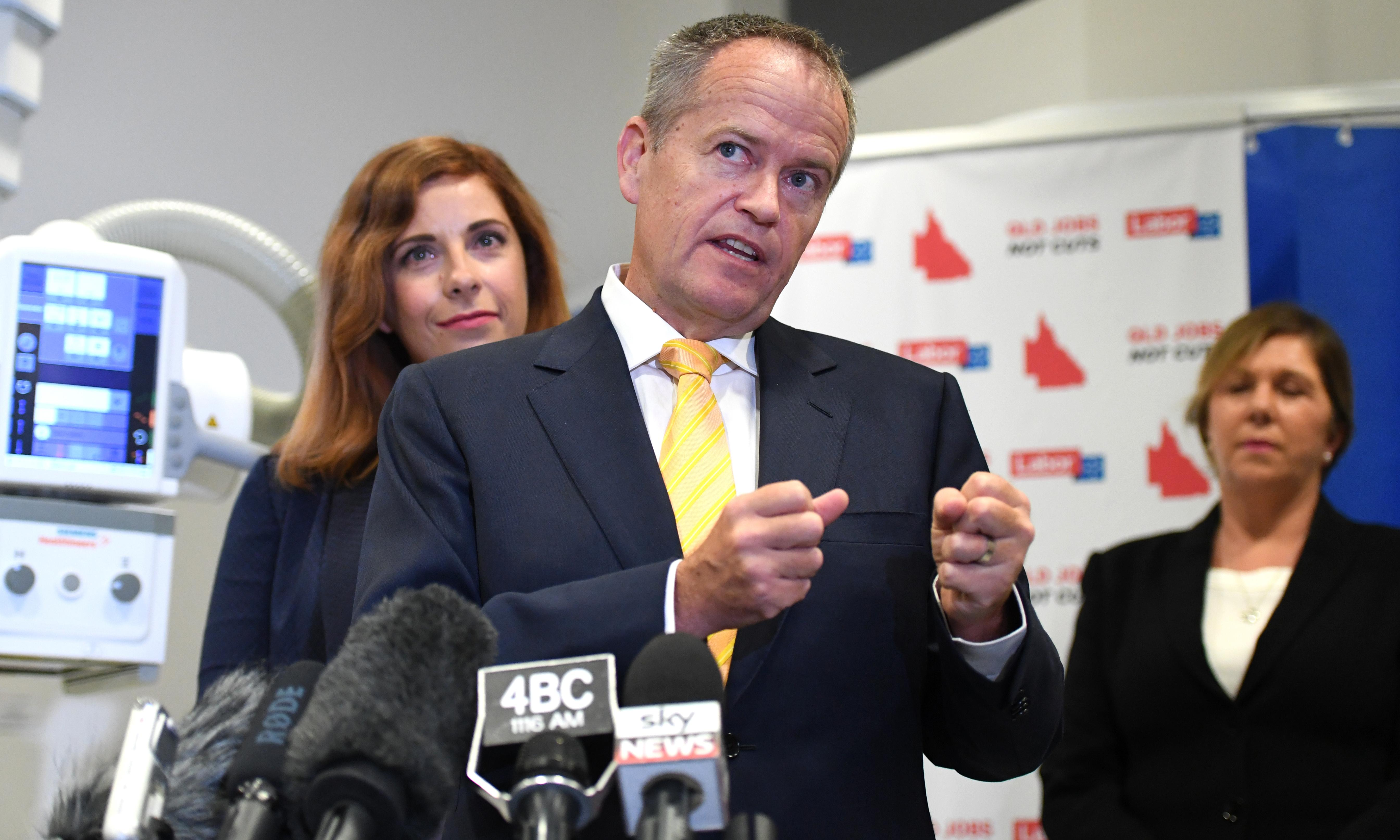 Bill Shorten to make local jobs pitch as Queensland bus tour continues