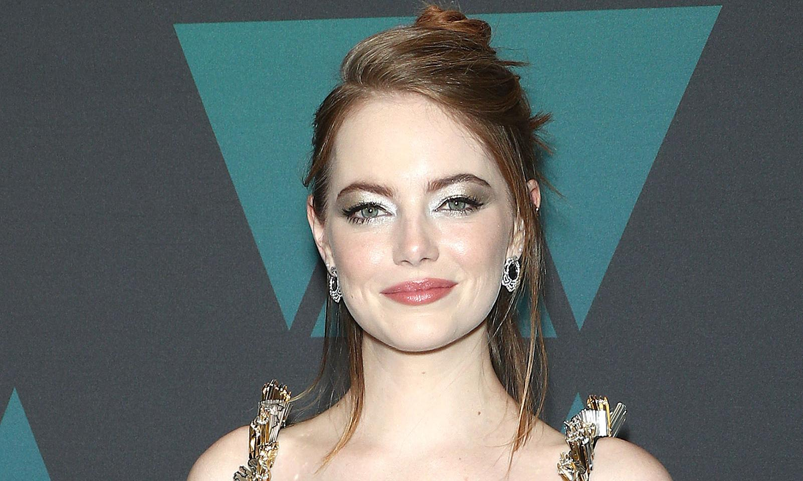 Emma Stone denies injury caused by fall at Spice Girls concert