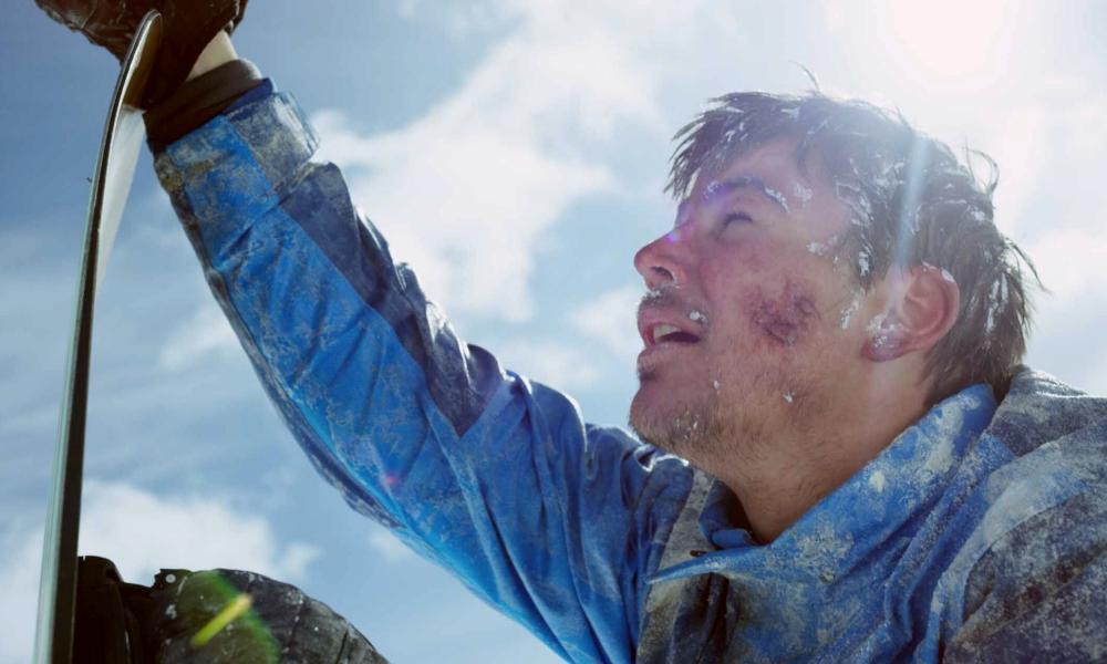 Josh Hartnett in 6 Below: Miracle on the Mountain