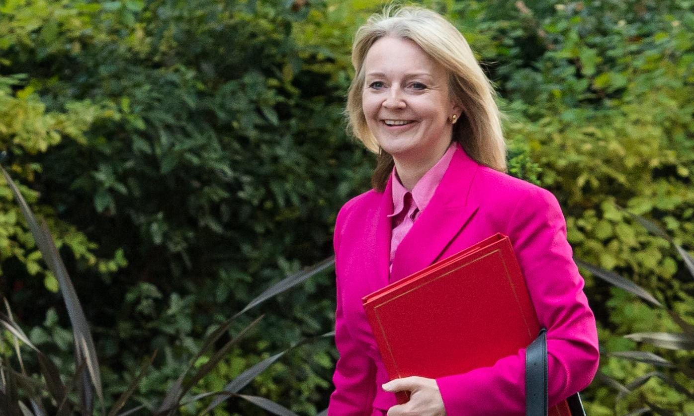 Liz Truss should resign over illegal Saudi arms sales, say MPs