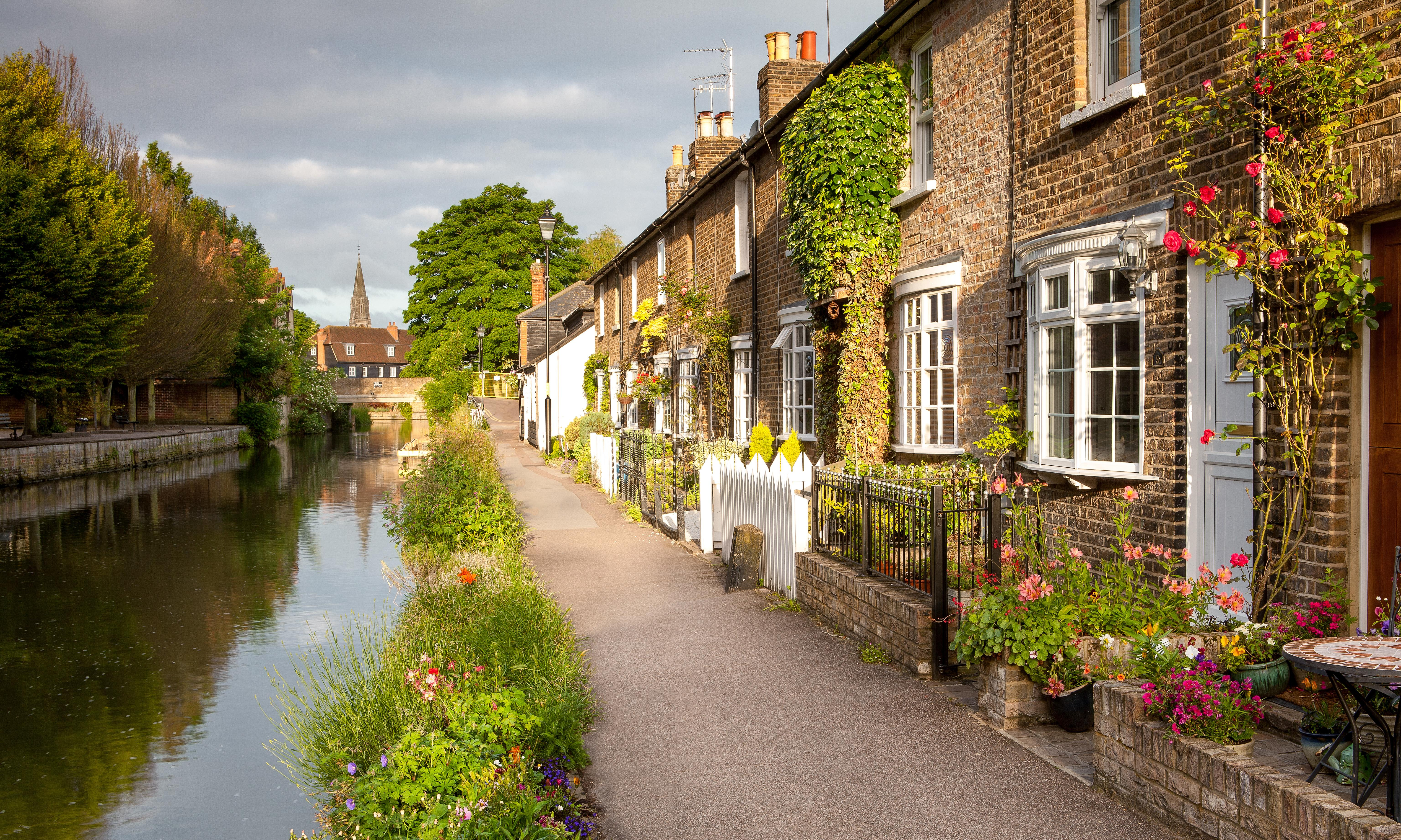 Let's move to Hertford: if it's cool enough for George Ezra…