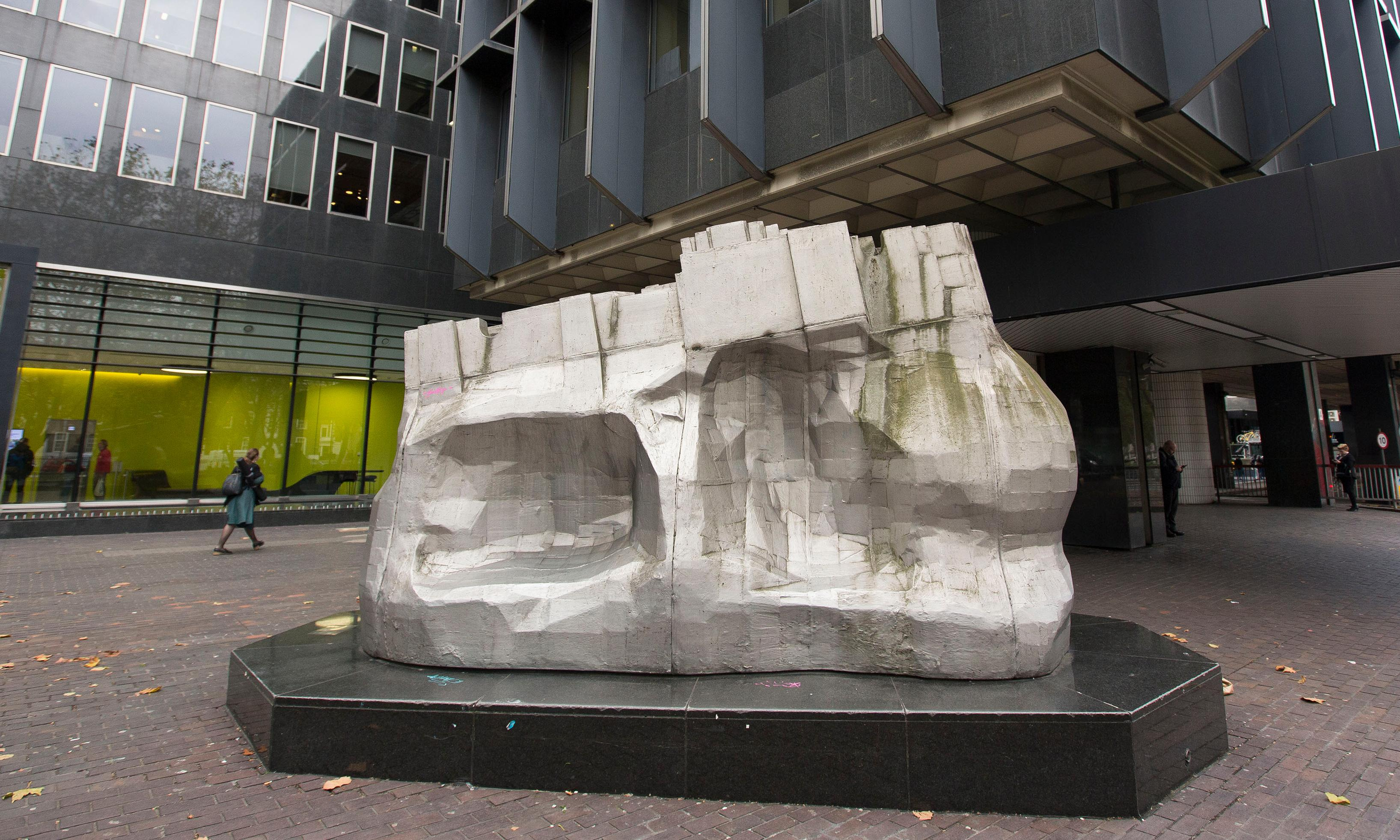 Arts body criticised for leaving Paolozzi sculpture on Euston building site