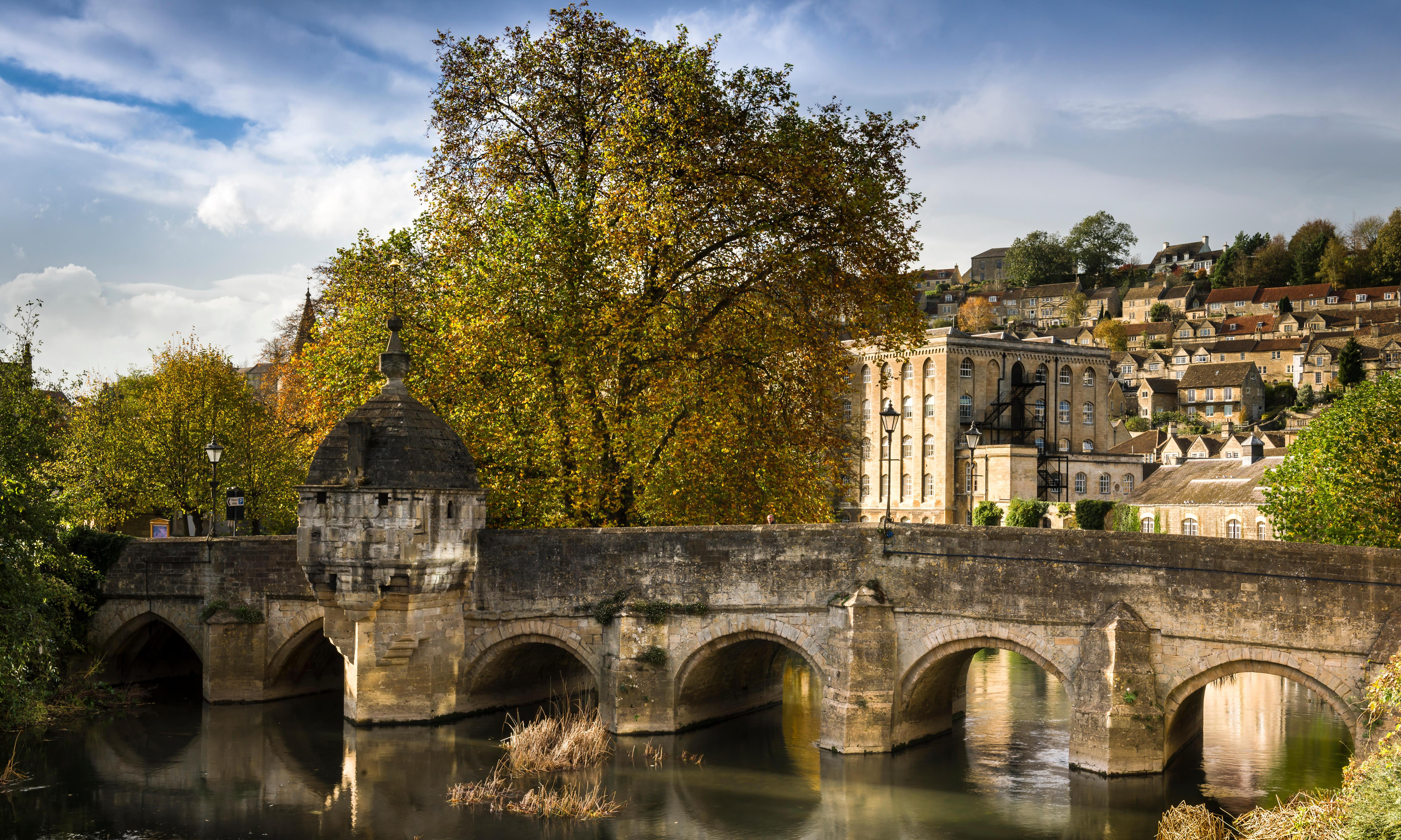 Send us a tip on autumn breaks in the UK for a chance to win a £200 hotel voucher
