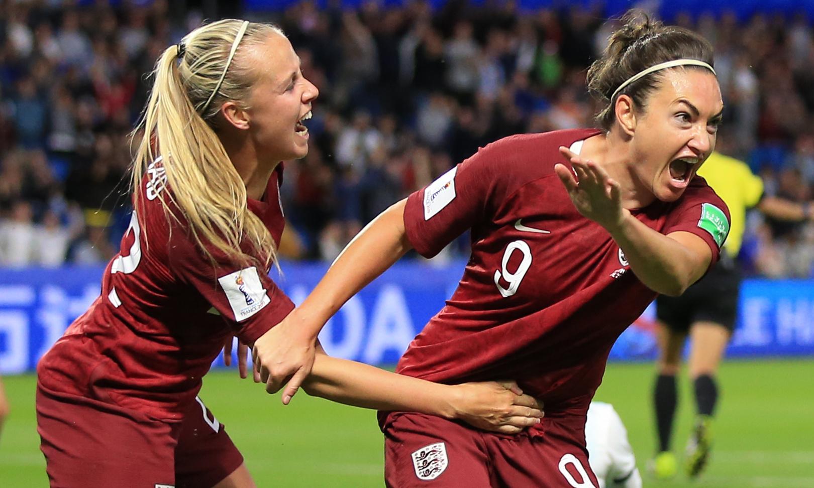 Jodie Taylor earns plaudits as England seek World Cup momentum