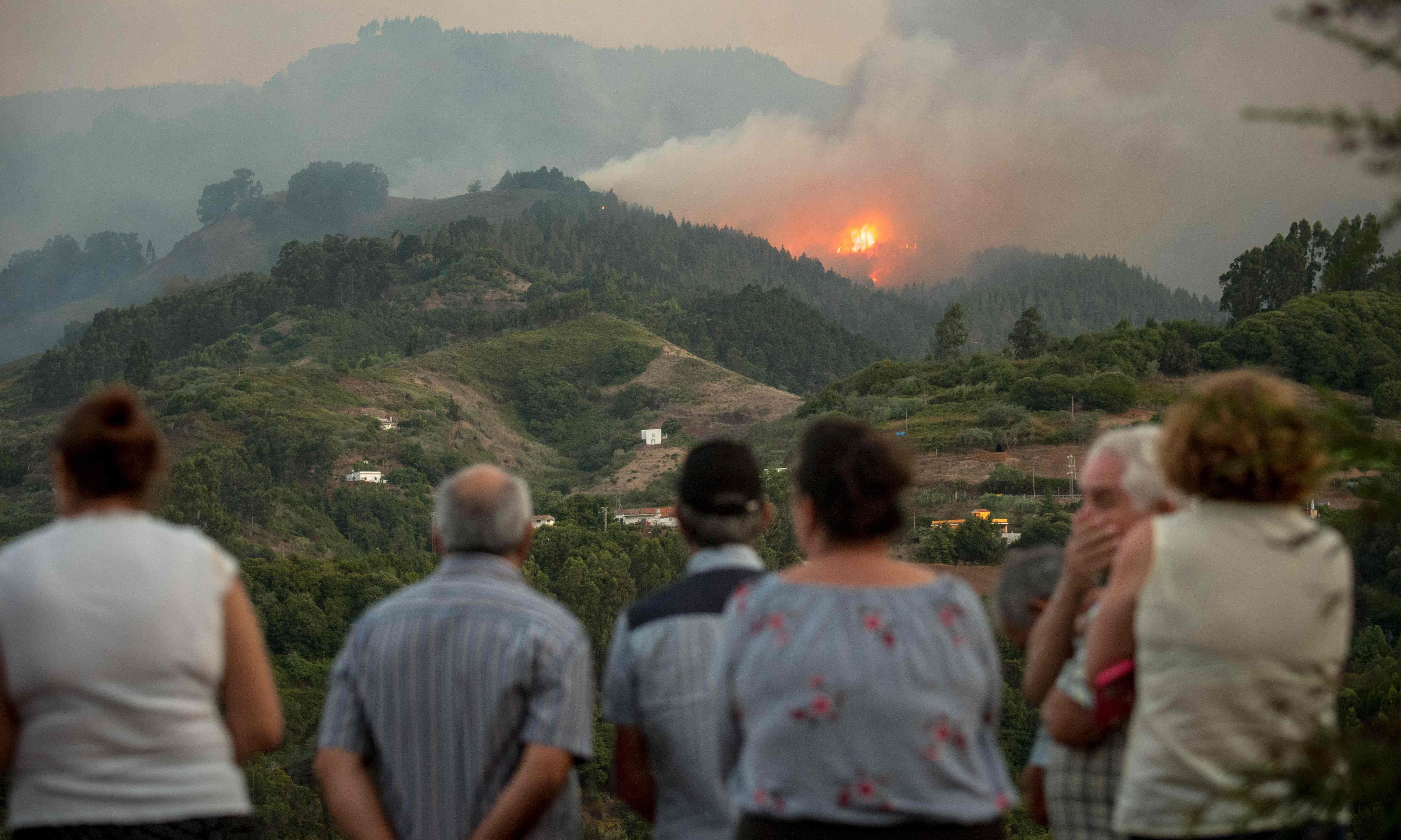 Gran Canaria wildfire triggers evacuation of thousands of people