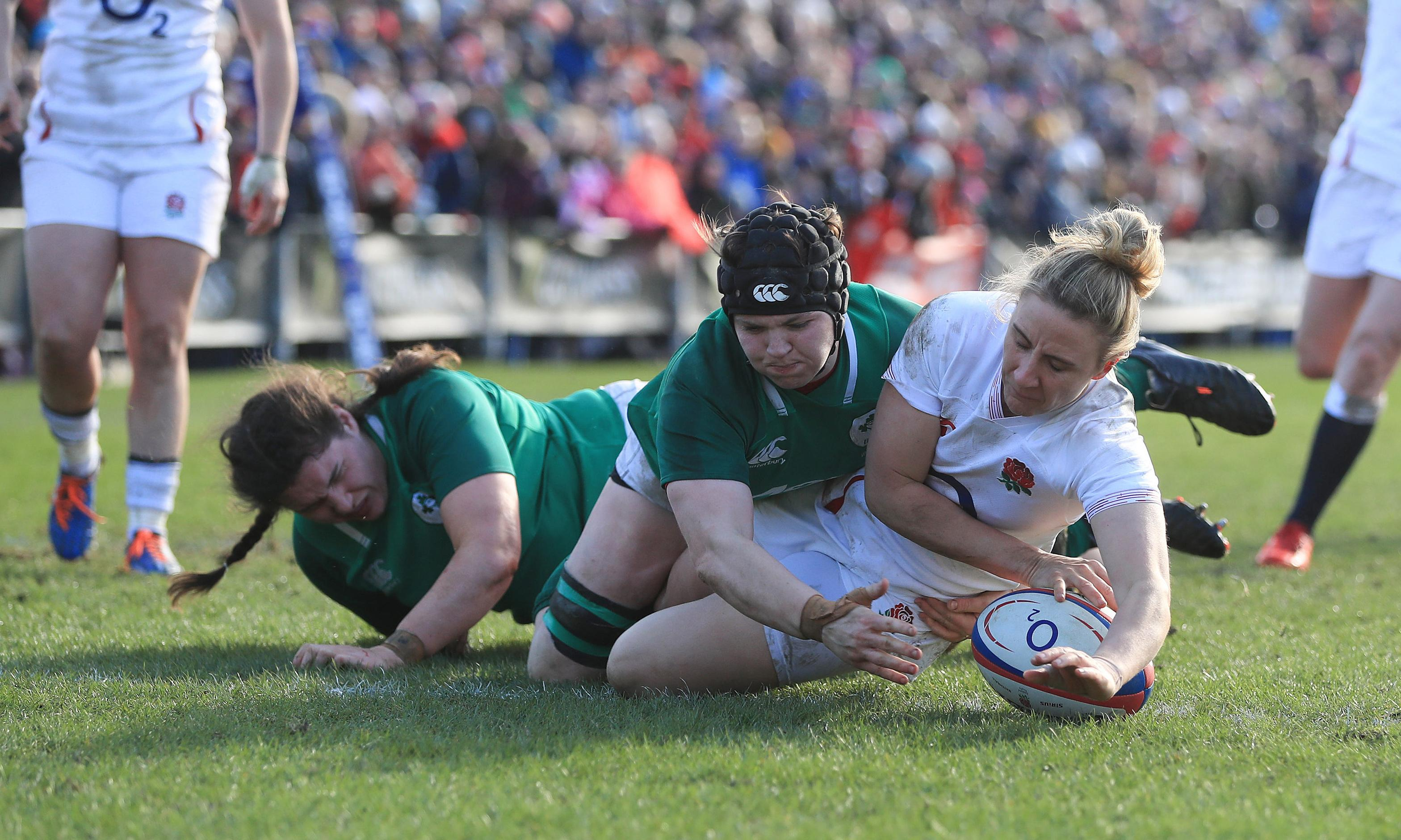 Women's Six Nations: England beat Ireland to keep grand slam in sight