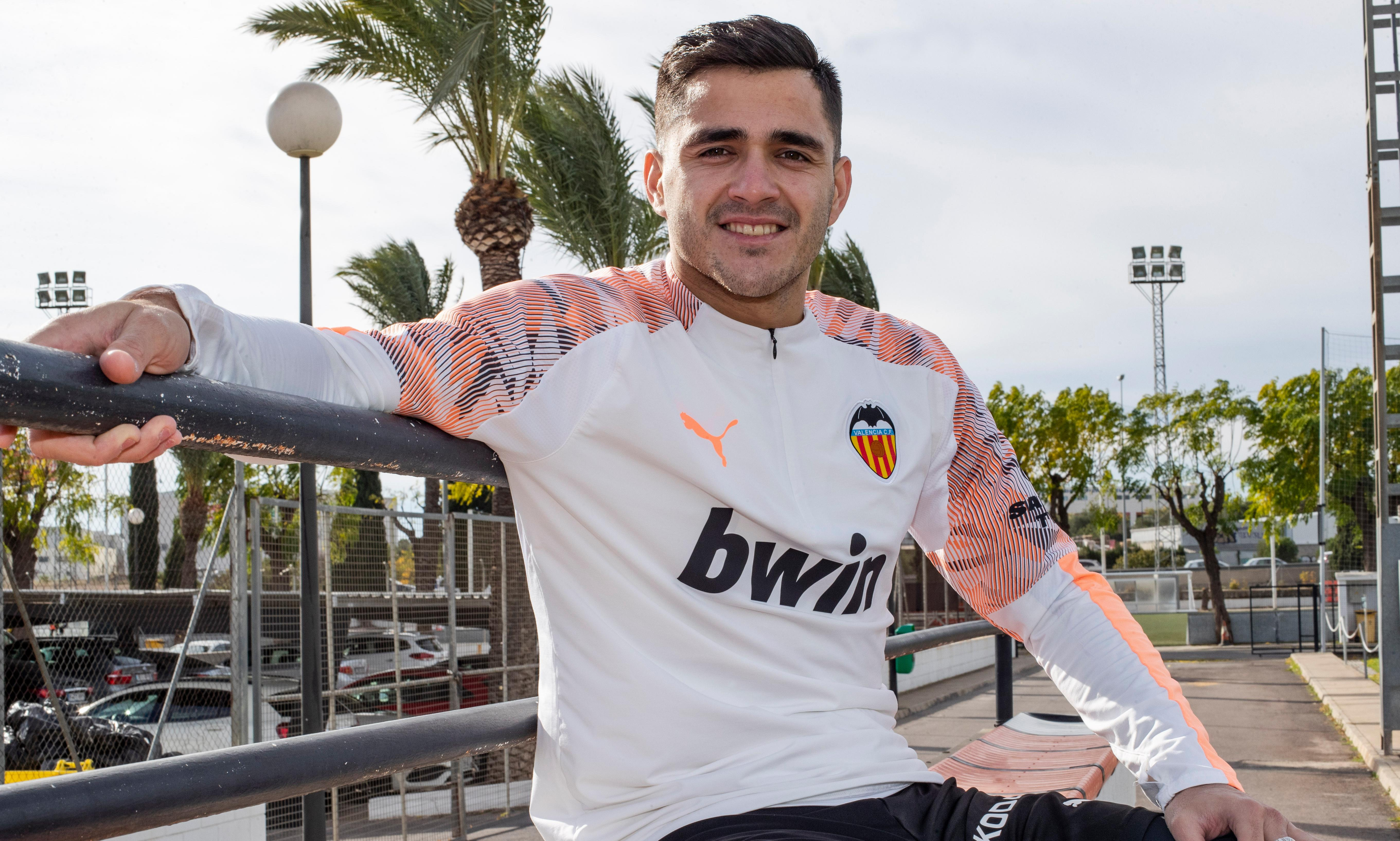Maxi Gómez: 'In Uruguay you lift up a rock and there's a footballer'
