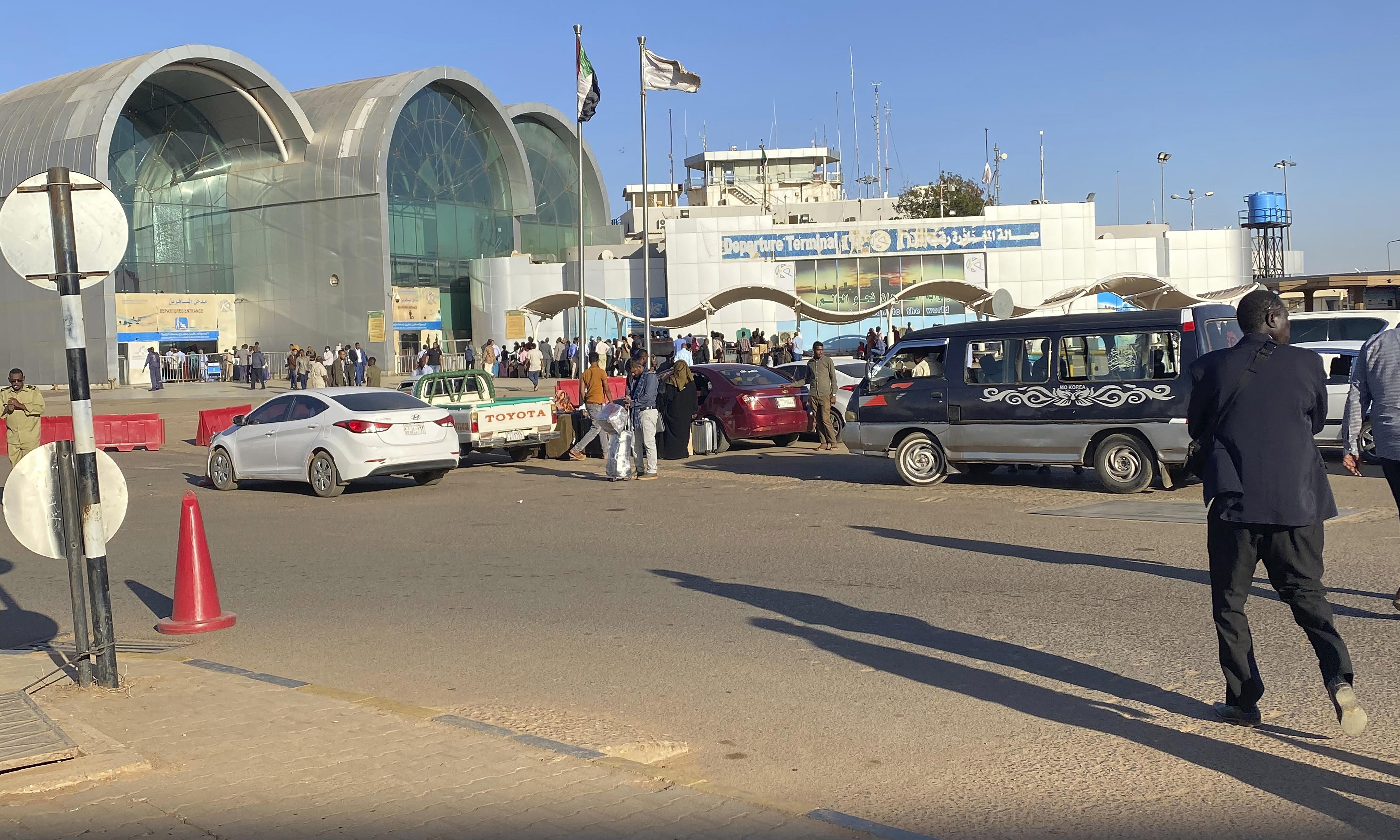 Sudanese asylum seeker flown back to UK after Khartoum gunfight delay