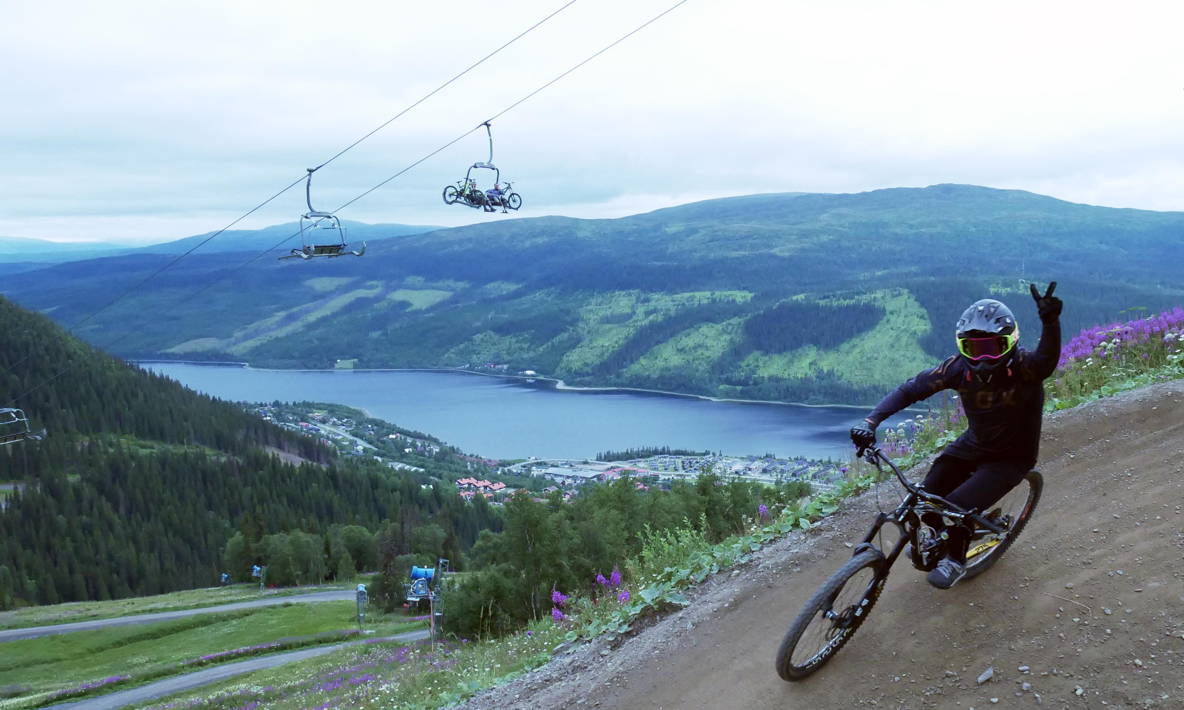 Mountain biking and canoeing in Sweden