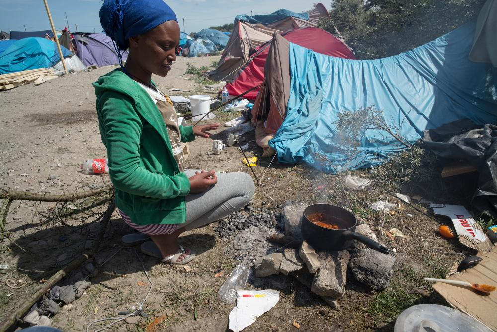 migrant life in calais jungle refugee camp a photo essay uk home