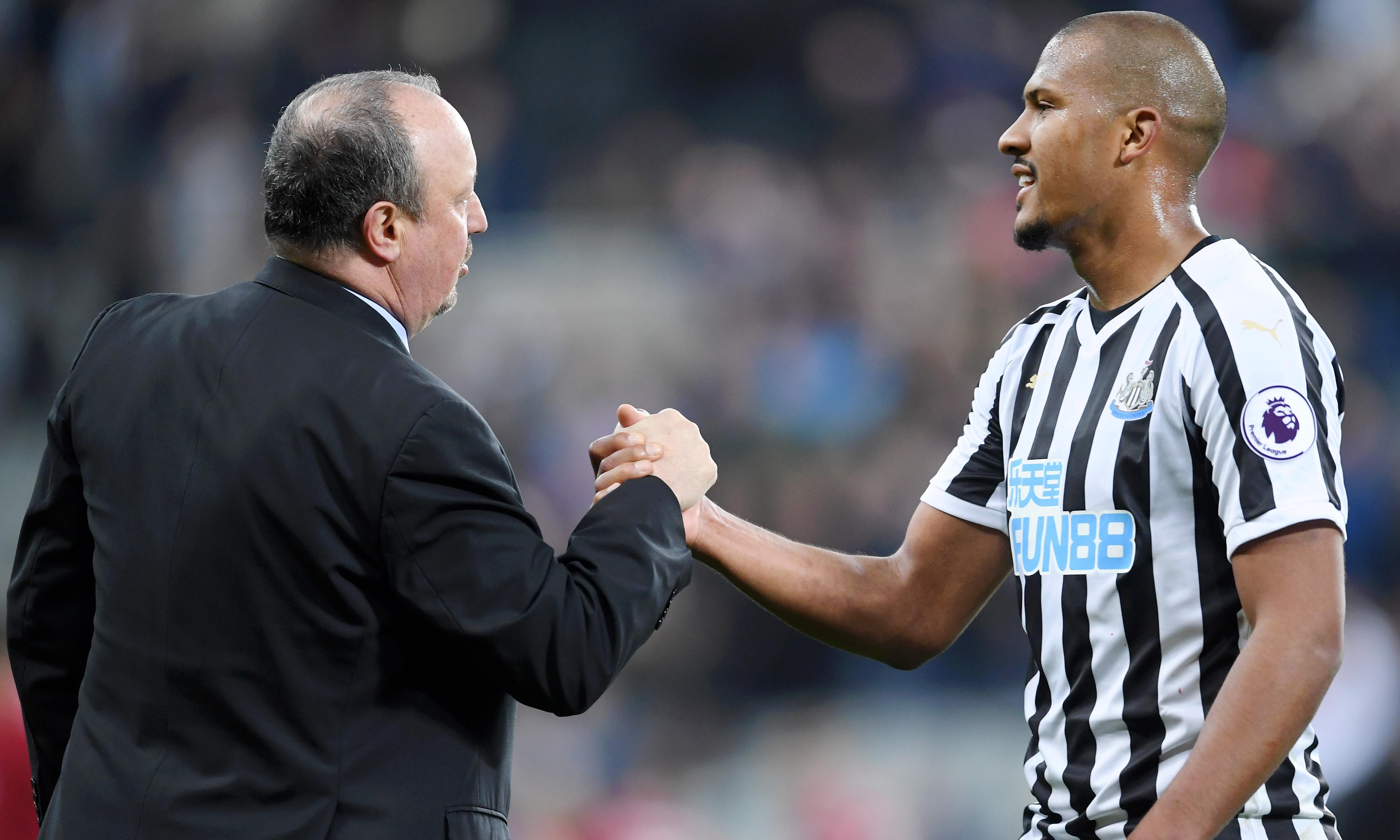 Rafael Benítez presses Mike Ashley to change Newcastle's transfer policy