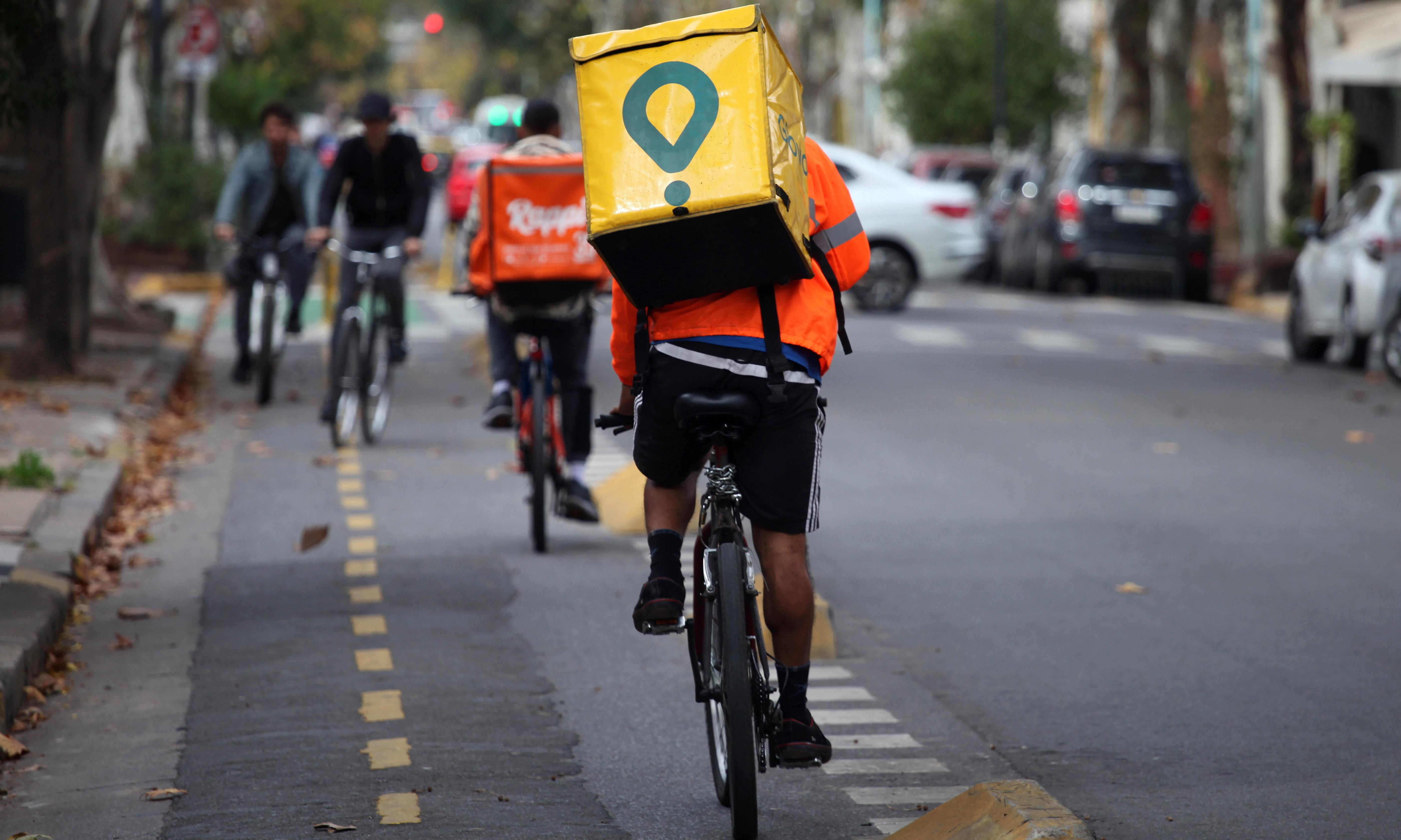 Buenos Aires judge bans delivery apps after road accidents spike