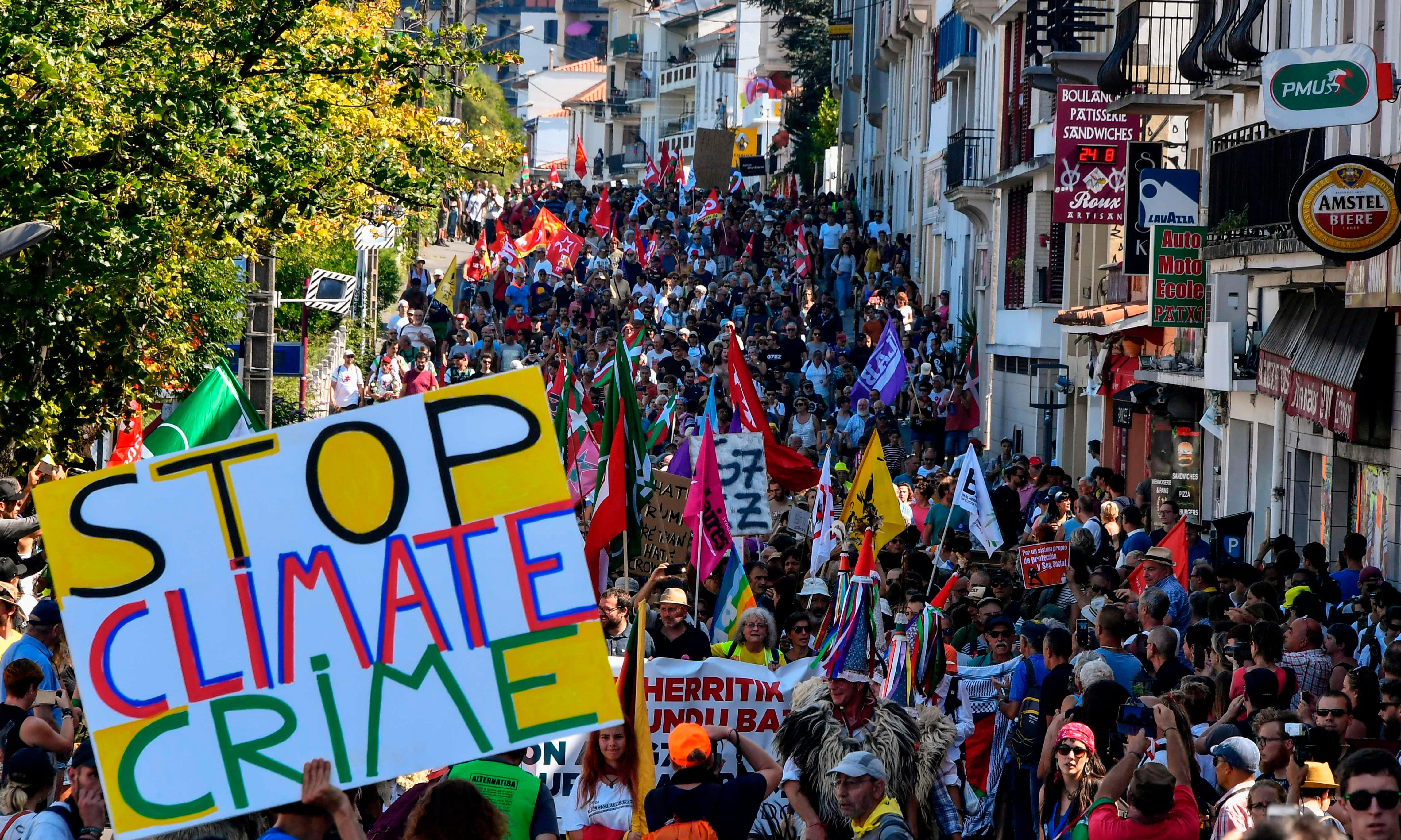 Macron: 'All G7 powers must help Brazil fight raging Amazon fires'