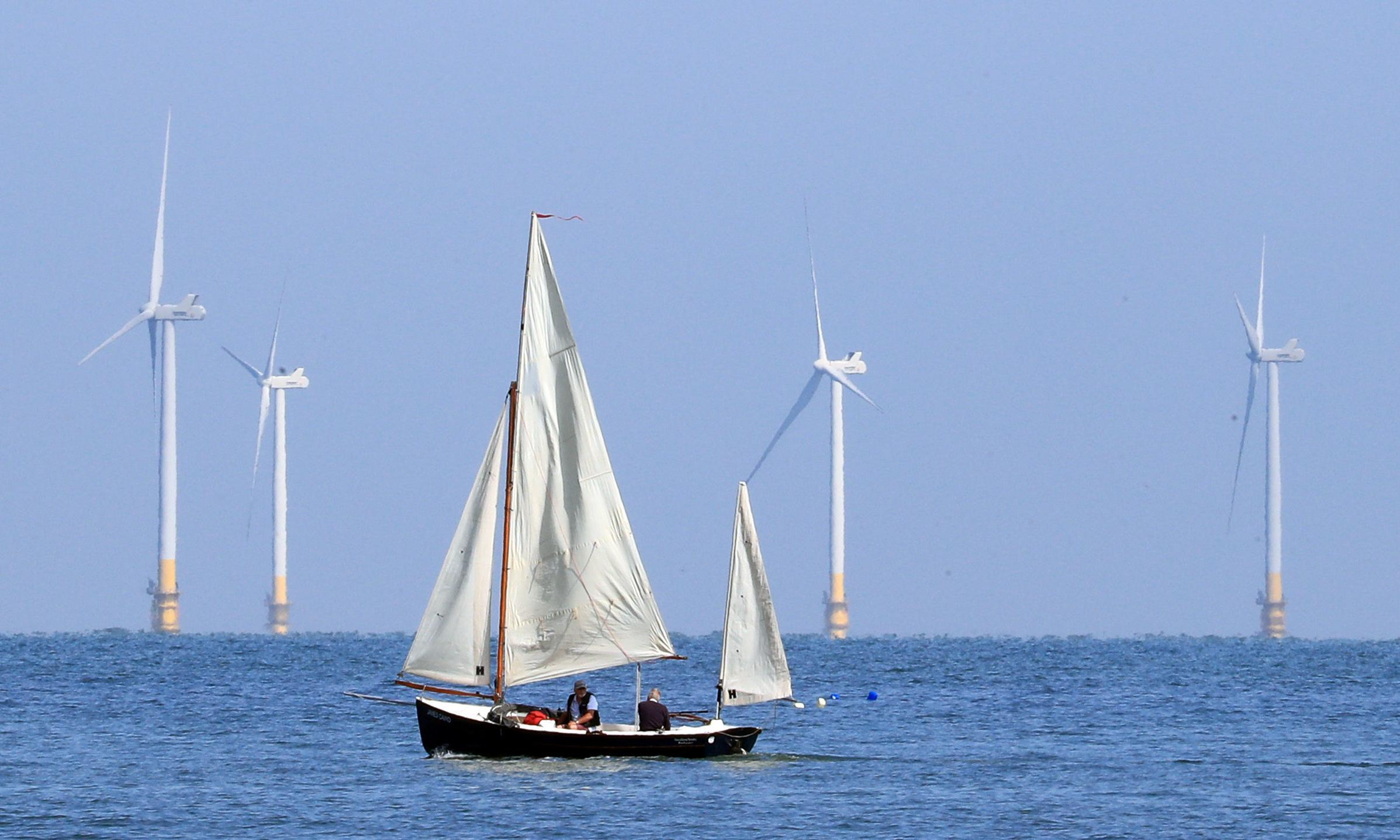 Offshore windfarms 'can provide more electricity than the world needs'