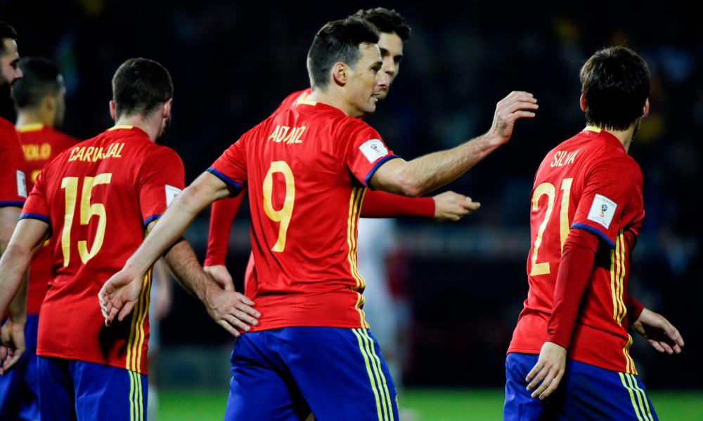 Spain's Ariz Aduriz celebrates after scoring the fourth goal against Macedonia during the 2018 World Cup qualifier against Macedonia in November 2016.